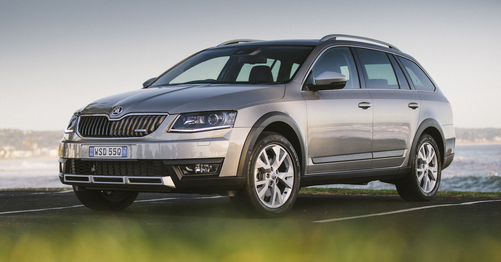 2015 skoda octavia scout 4x4 pricing and specifications. Black Bedroom Furniture Sets. Home Design Ideas