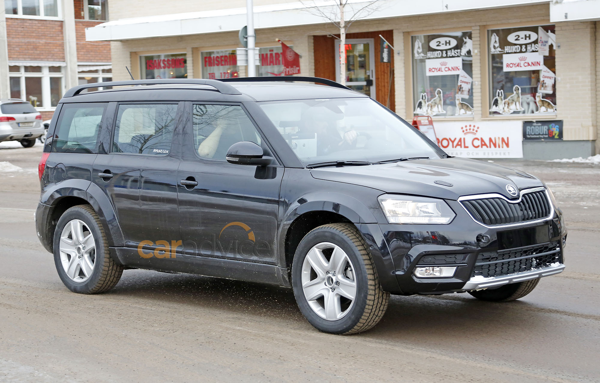7 Seater Suv 2017 >> Skoda seven-seat SUV spied during testing - Photos (1 of 7)