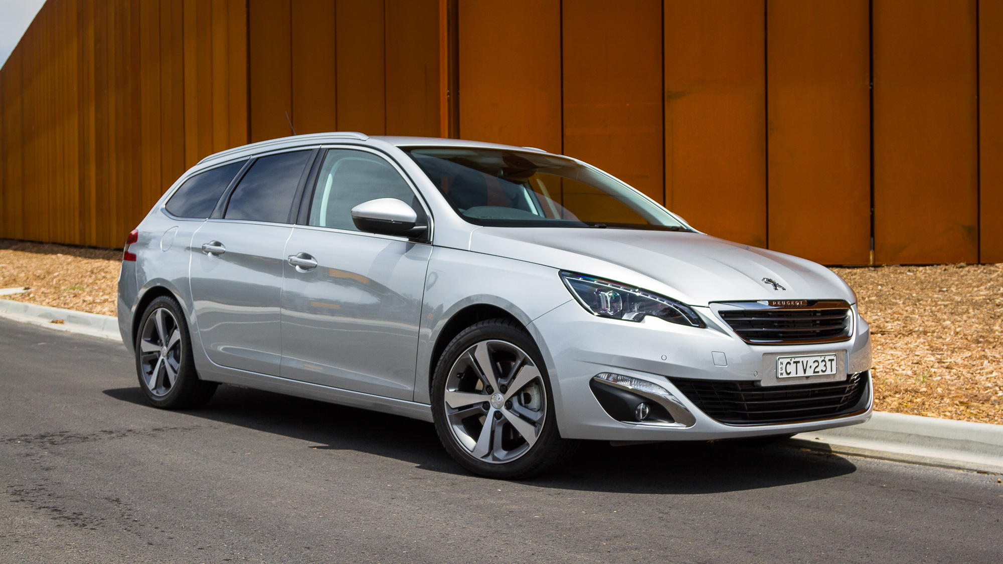 2015 Peugeot 308 Allure Touring   Week With Review