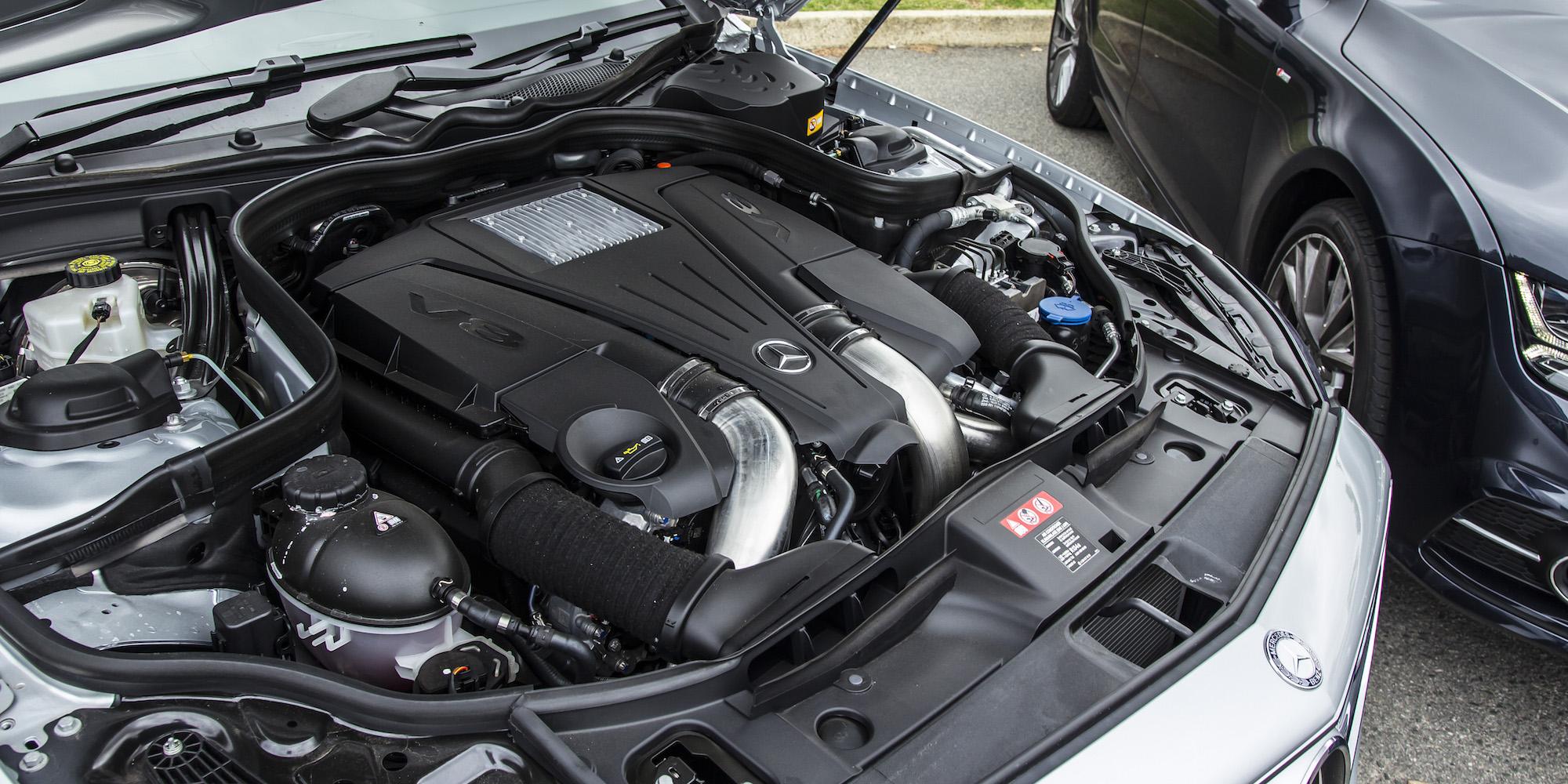 Perfect Audi A7 TDI Biturbo Quattro V MercedesBenz CLS 500