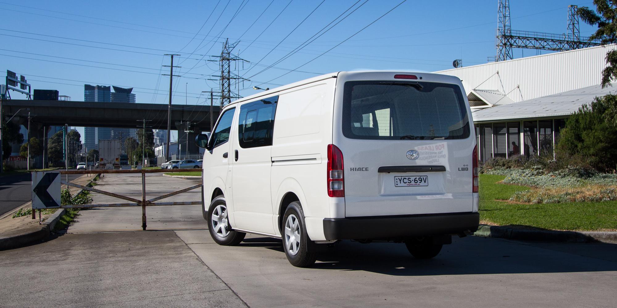 Toyota Hiace Crewvan