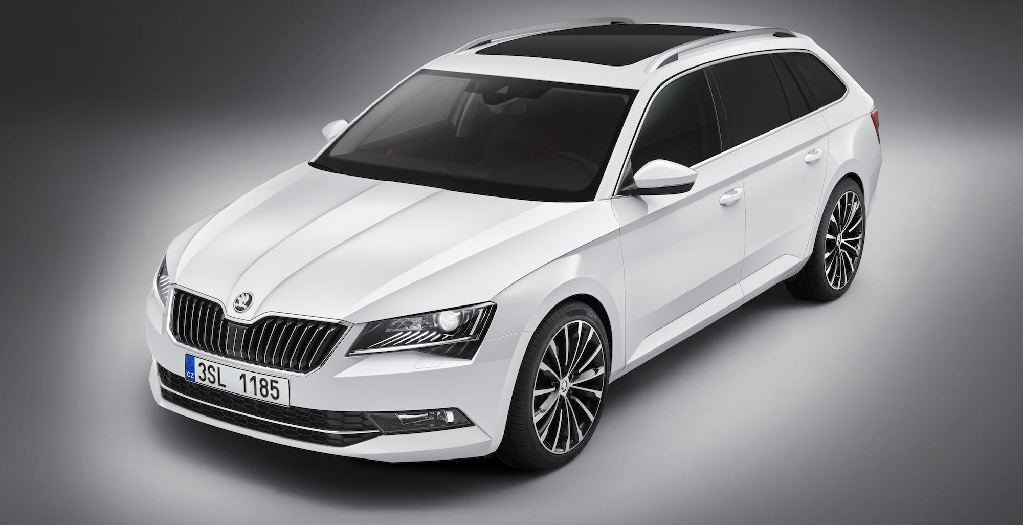 2016 skoda superb combi wagon revealed photos 1 of 4. Black Bedroom Furniture Sets. Home Design Ideas