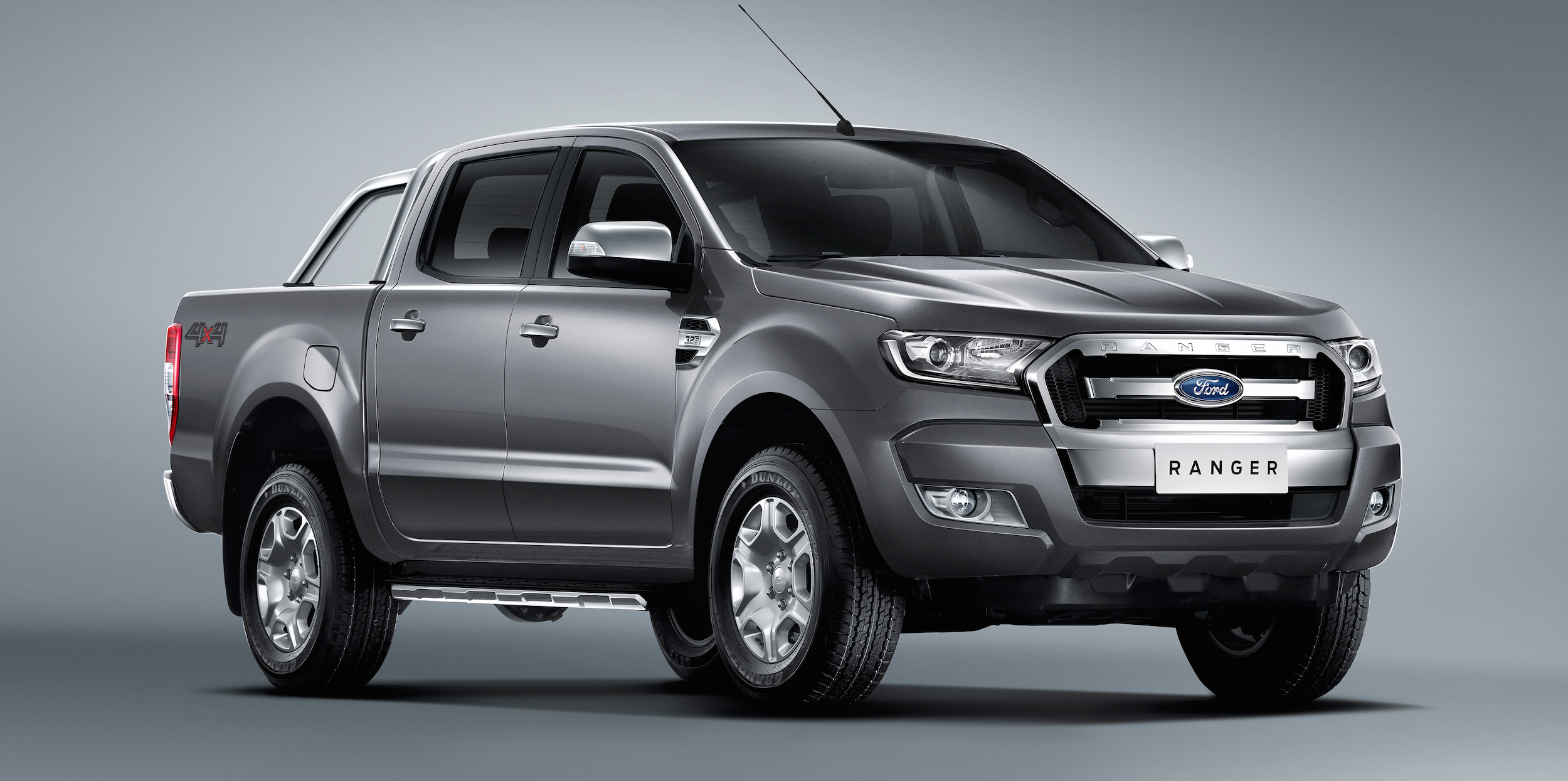 2016 toyota hilux versus ford ranger mitsubishi triton. Black Bedroom Furniture Sets. Home Design Ideas