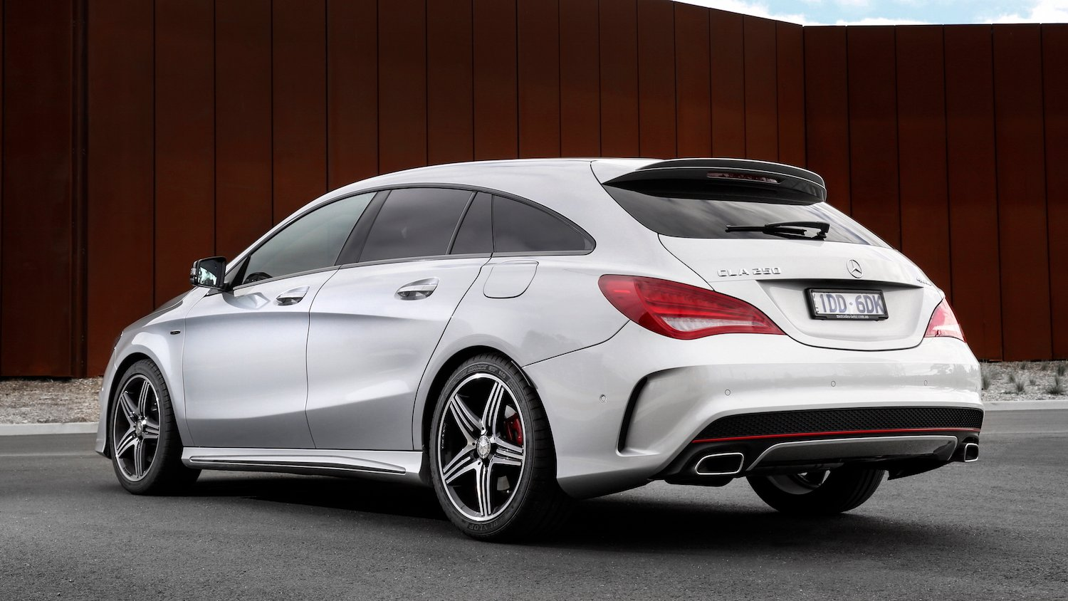 Mercedes benz cla shooting brake review caradvice for Mercedes benz cla 4matic