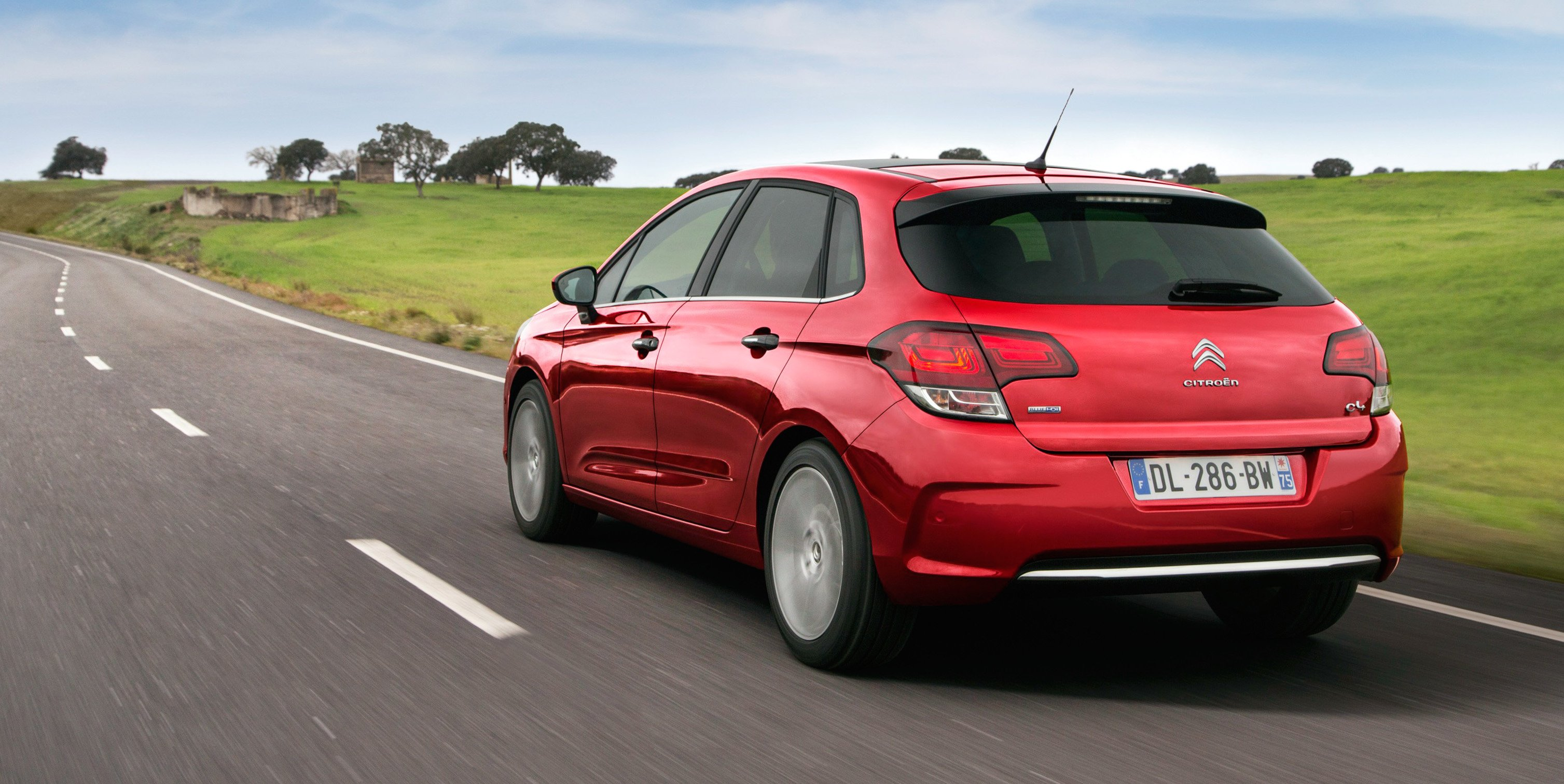 2016 citroen c4 specifications revealed photos 1 of 3