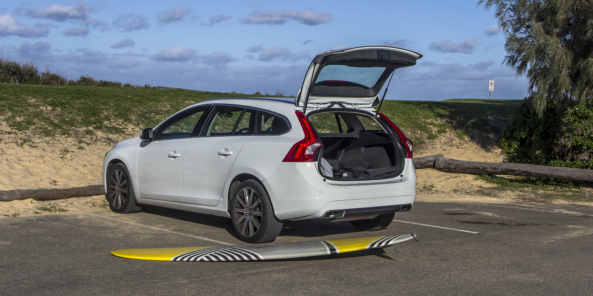 volvo v60 t5 luxury week with review photos caradvice. Black Bedroom Furniture Sets. Home Design Ideas