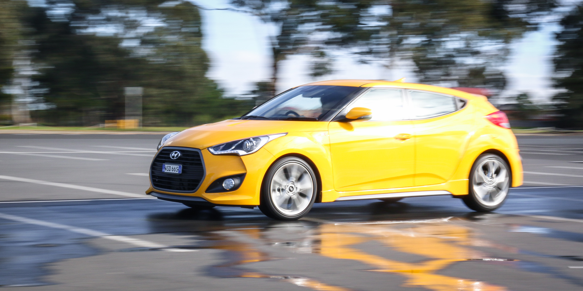 2015 hyundai veloster sr turbo the correspondent driver. Black Bedroom Furniture Sets. Home Design Ideas