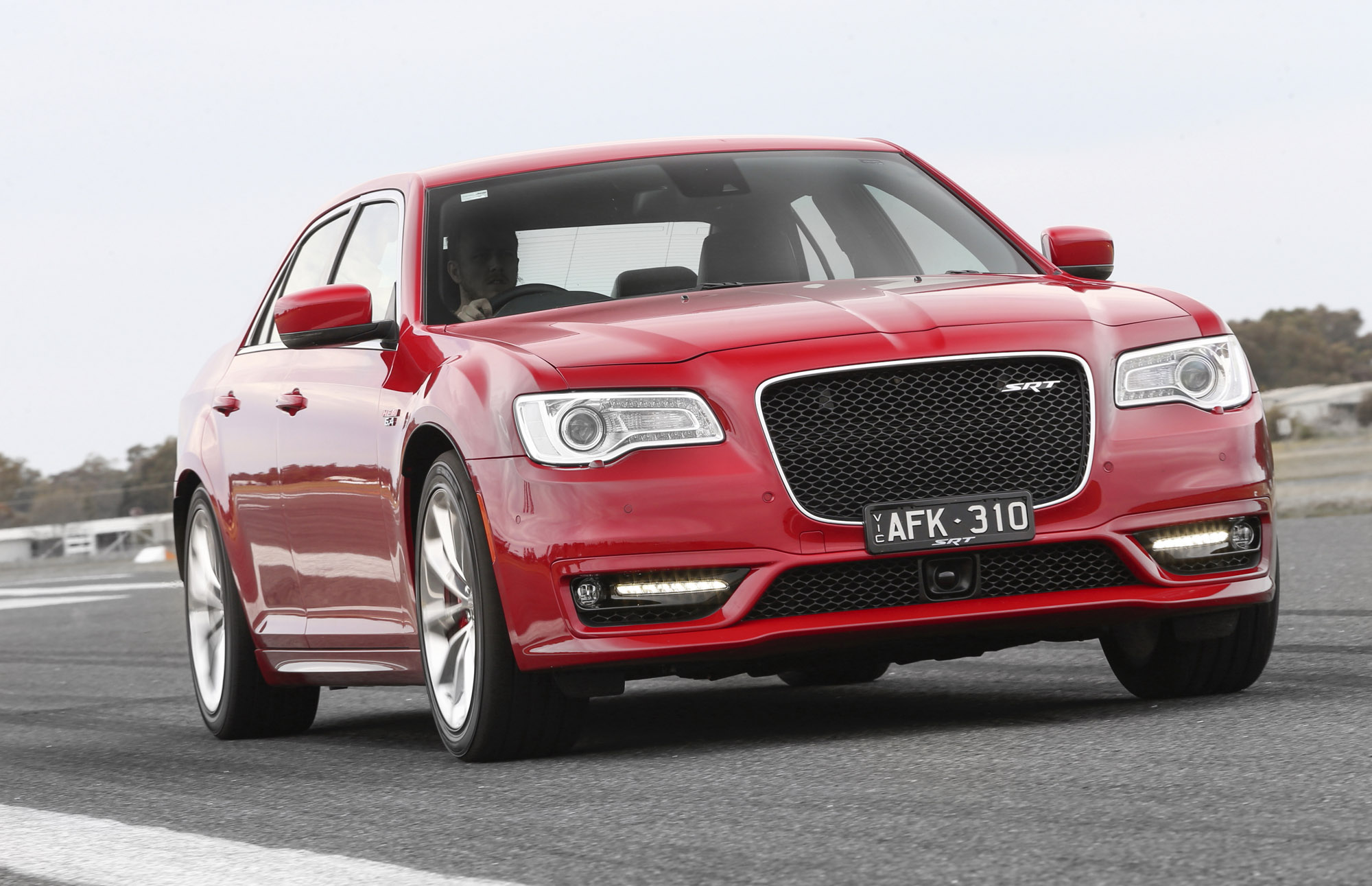 Chrysler 300srt >> 2015 Chrysler 300 SRT Review | CarAdvice
