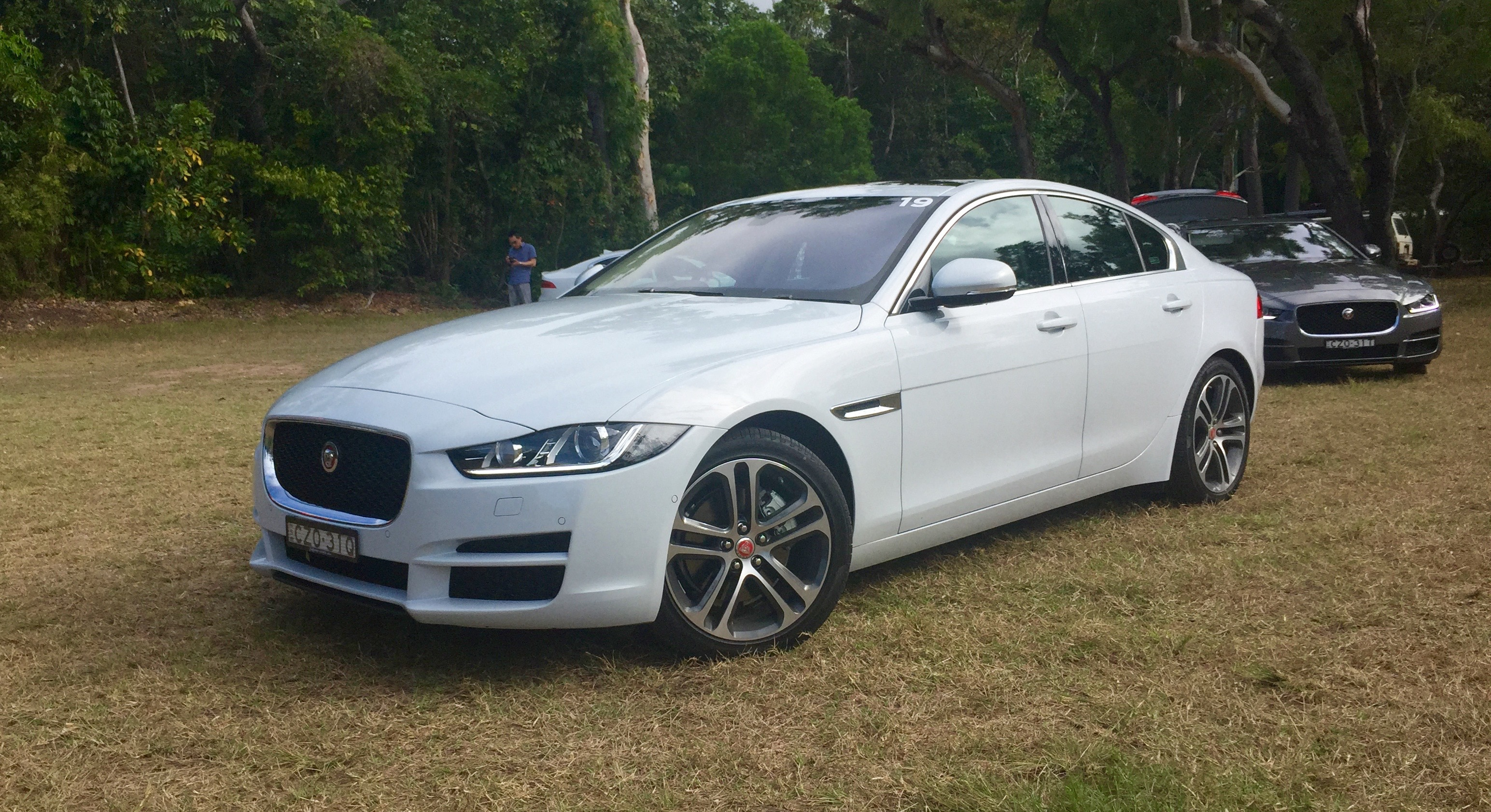Compare Car Specs >> 2016 Jaguar XE Review | CarAdvice