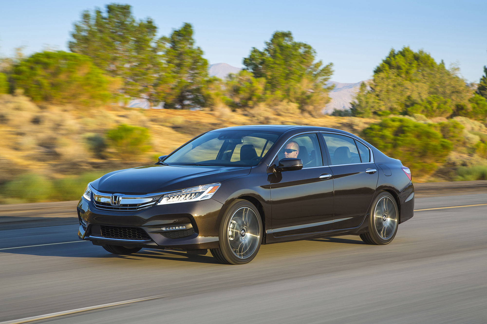 2016 honda accord us facelift detailed australian debut unclear photos 1 of 11. Black Bedroom Furniture Sets. Home Design Ideas