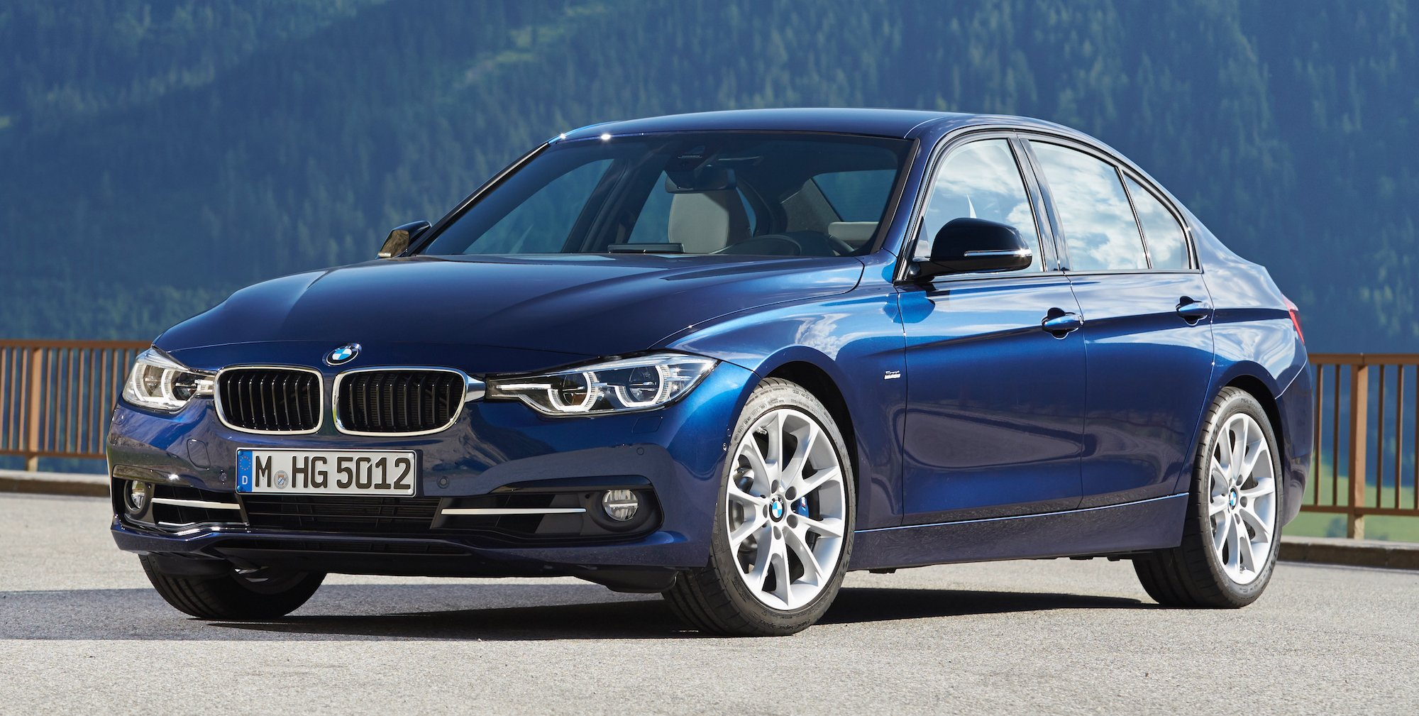 2016 Bmw 3 Series Pricing And Specifications Photos 1 Of 8