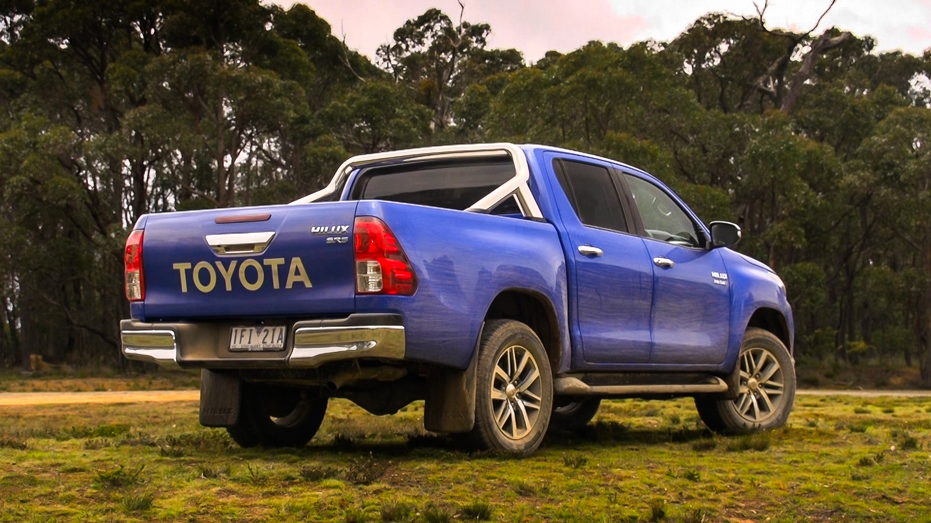 Mitsubishi Suv 2015 >> 2016 Toyota HiLux Review | CarAdvice