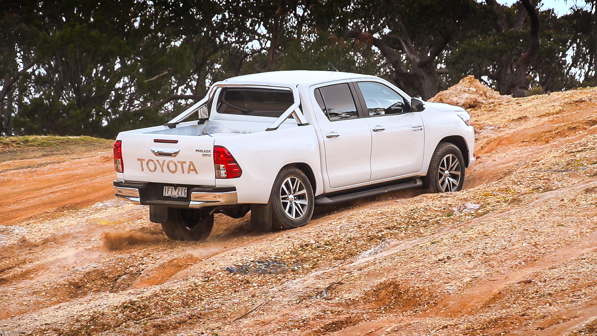 2016 Toyota HiLux Review | CarAdvice