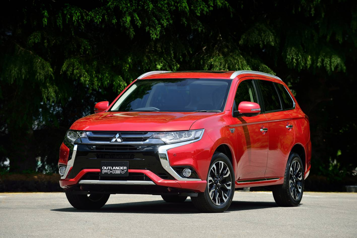 mitsubishi outlander phev release 2015 2016 best suv 2016 mitsubishi car interior design. Black Bedroom Furniture Sets. Home Design Ideas