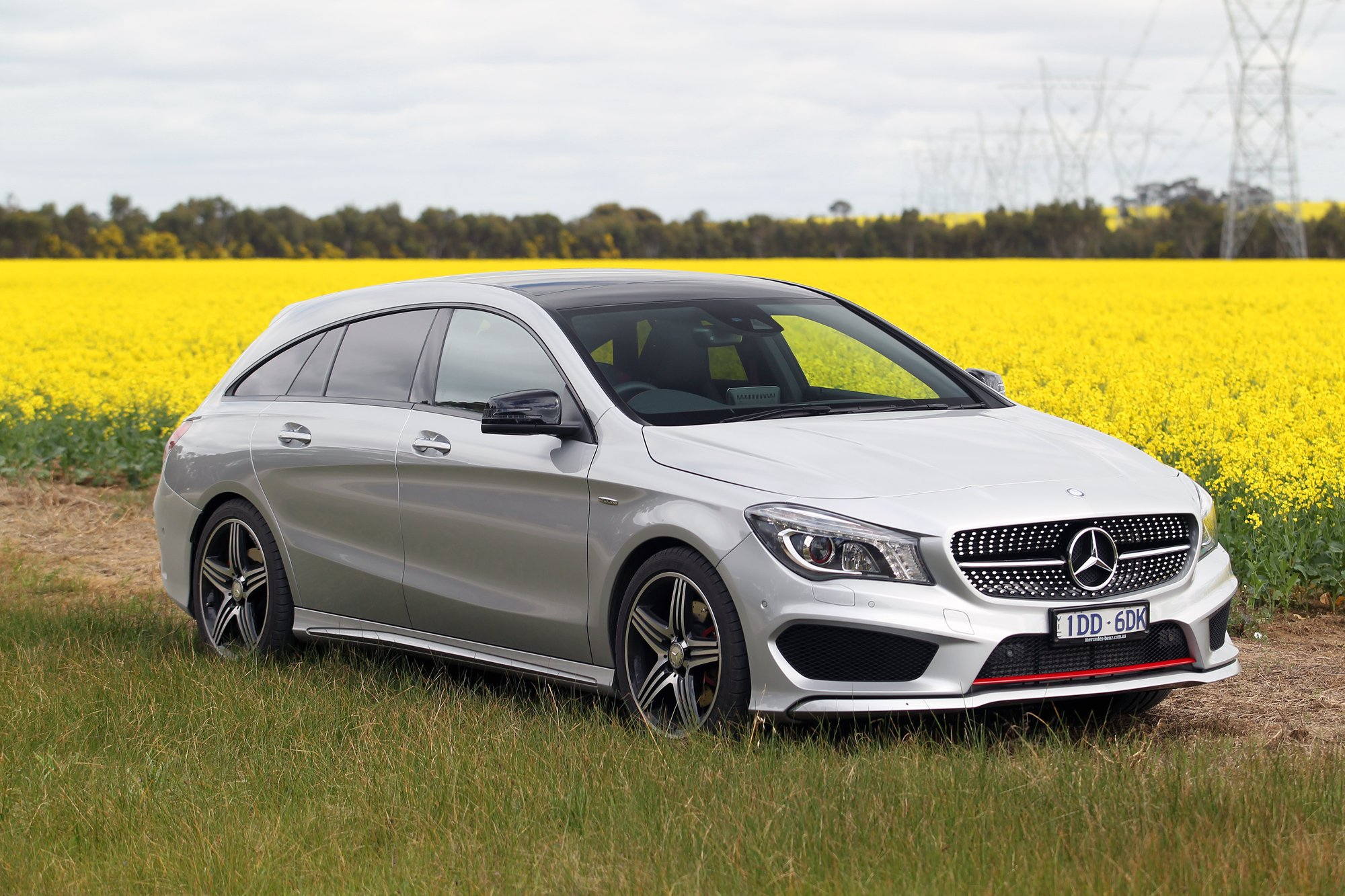Mercedes benz cla250 shooting brake review photos for Mercedes benz cla 250 review
