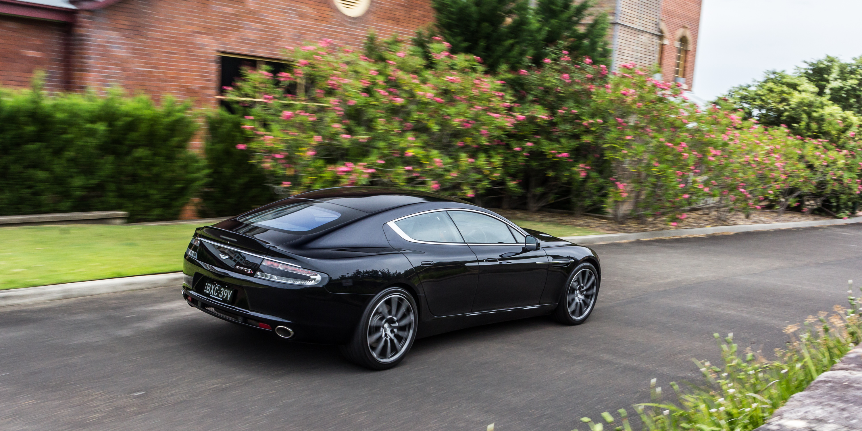 2016 aston martin rapide s review caradvice. Black Bedroom Furniture Sets. Home Design Ideas