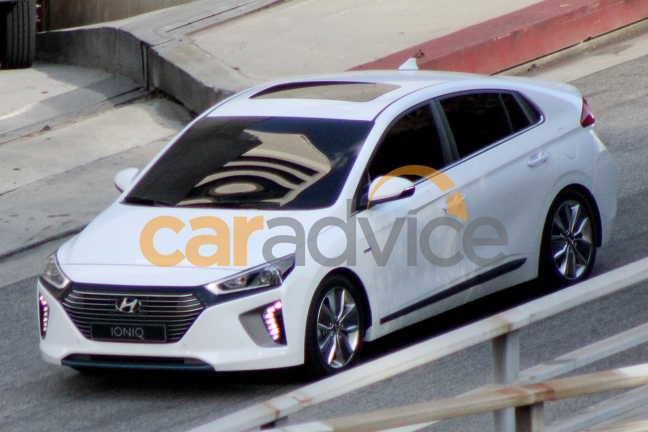2016 hyundai ioniq hybrid spotted undisguised in usa photos 1 of 7. Black Bedroom Furniture Sets. Home Design Ideas
