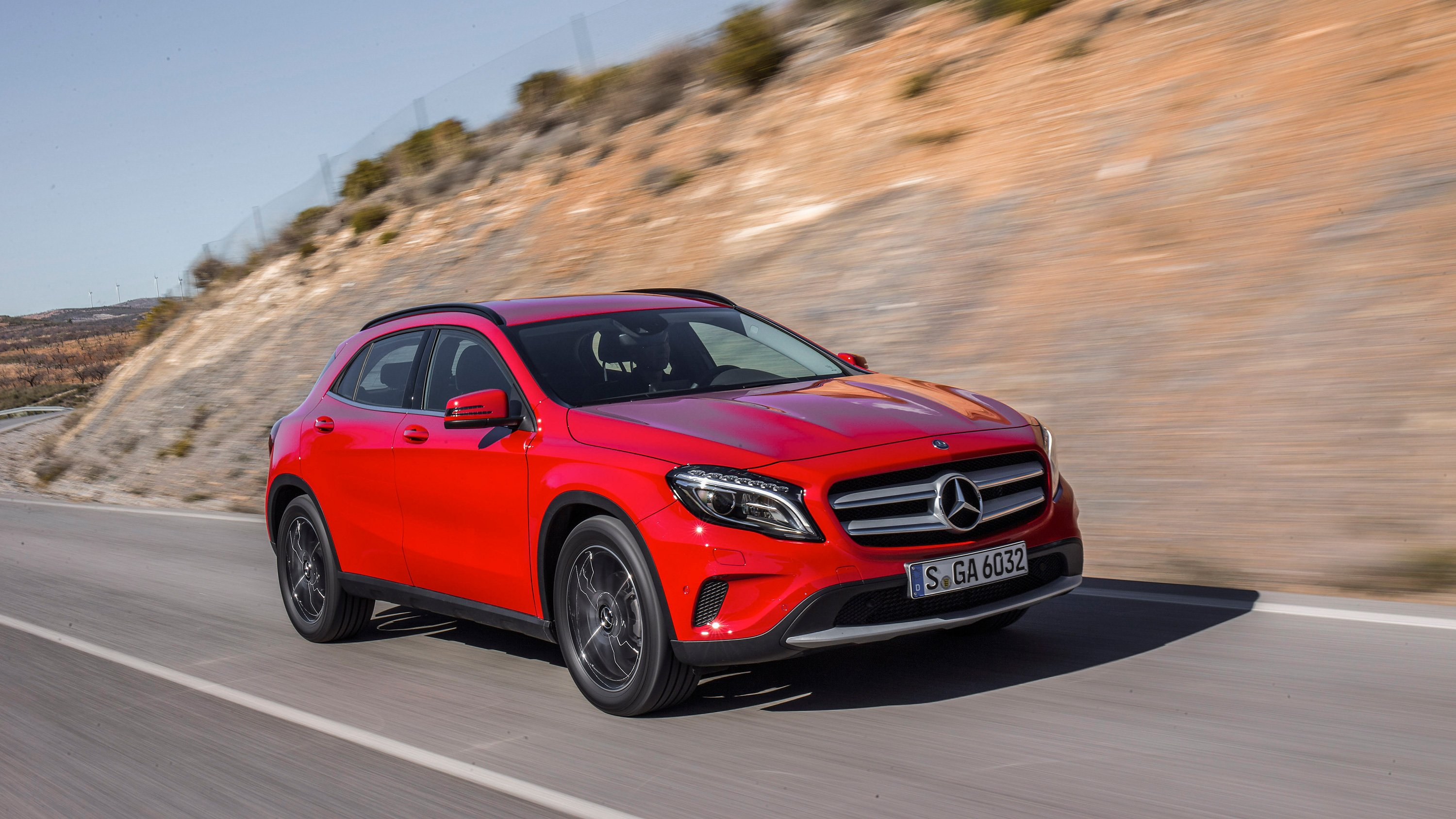 Mercedes benz gla180 marks new entry point to suv range for Mercedes benz gla 180