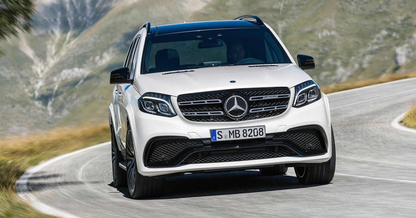2016 mercedes benz gls pricing and specifications photos for Mercedes benz gls 2016