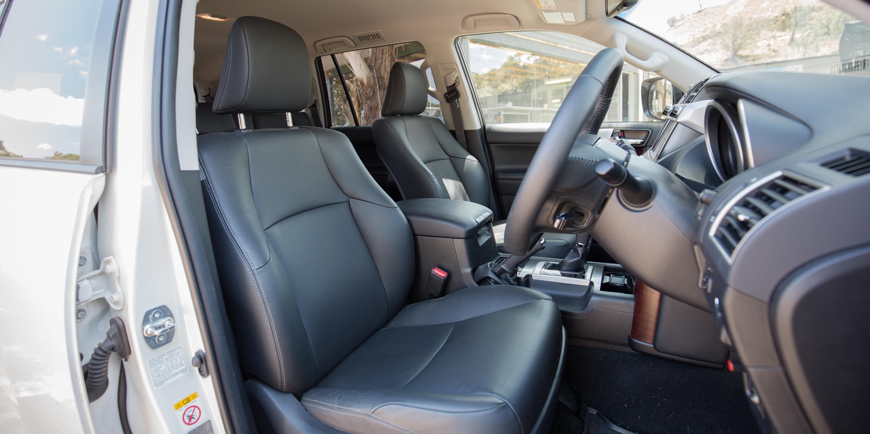 Amazing Ford Everest Titanium V Toyota Prado VX  Comparison