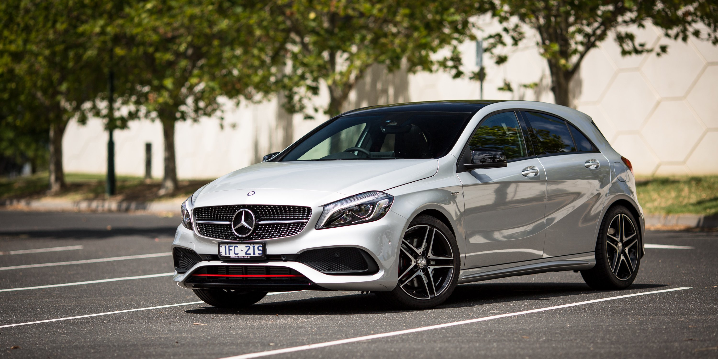 2016 mercedes benz a class review caradvice for Small mercedes benz