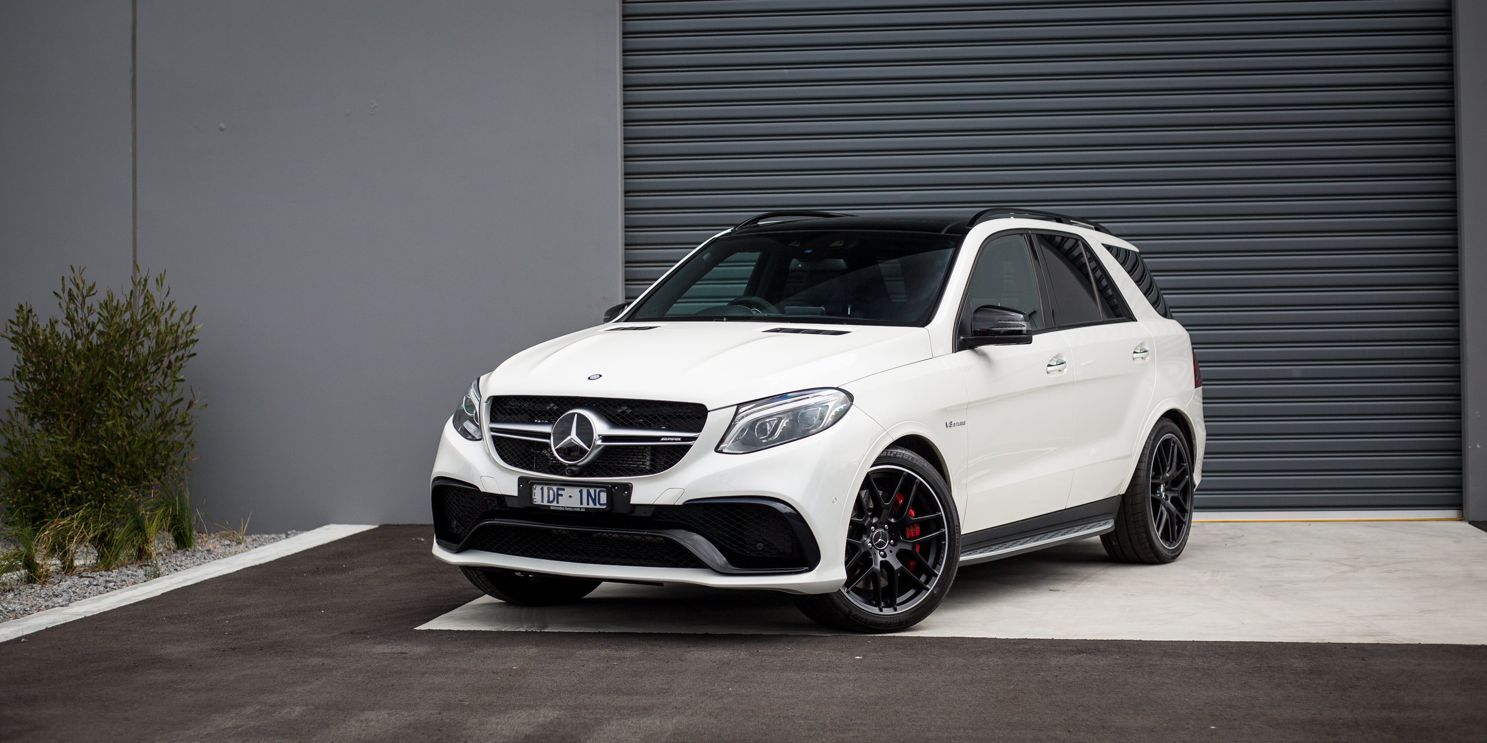 2016 mercedes amg gle63 s review caradvice for Mercedes benz amg suv price