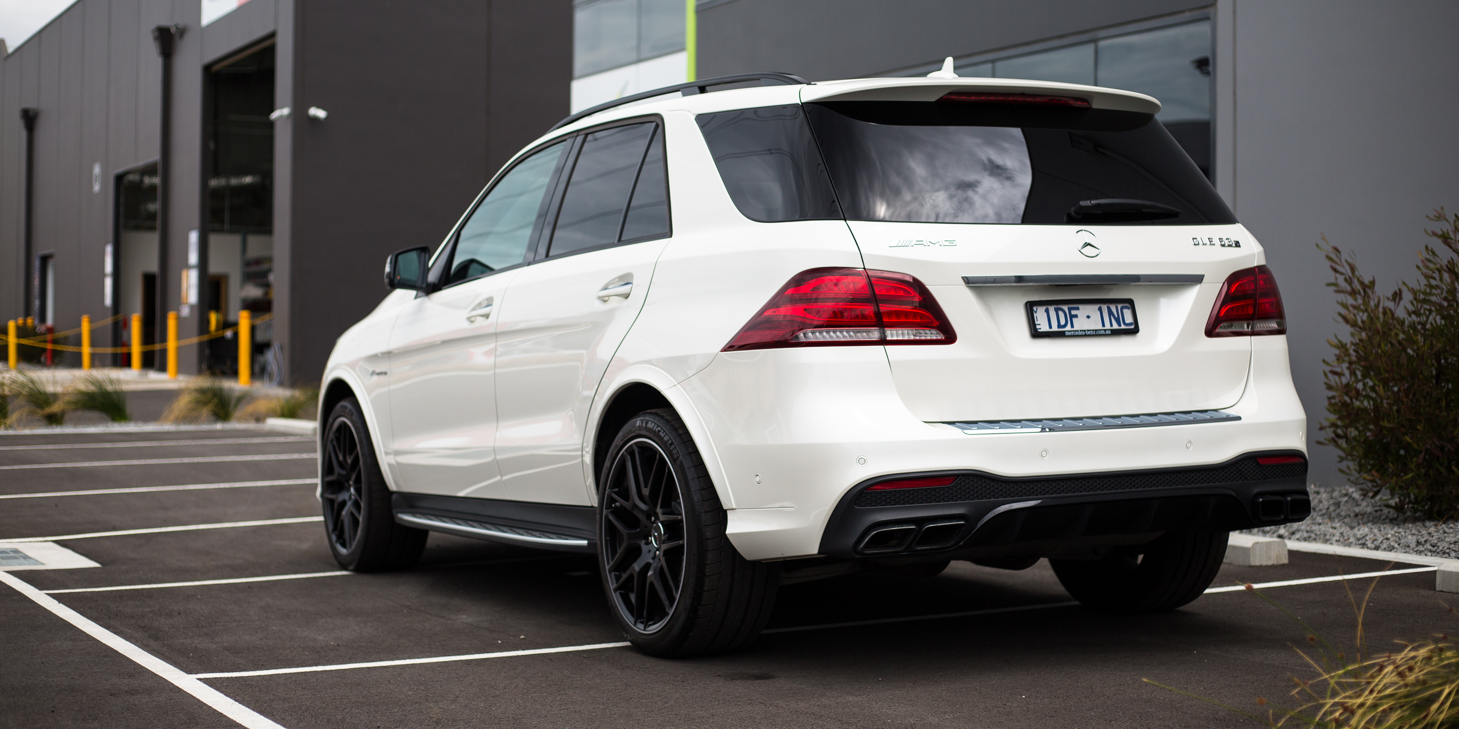 2016 mercedes amg gle63 s review caradvice for Amg mercedes benz suv