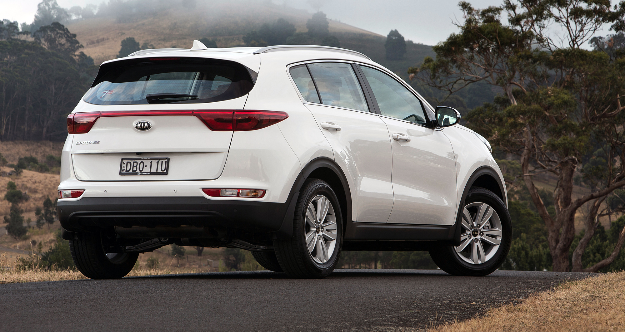 2016 kia sportage pricing and specifications photos 1 of 41