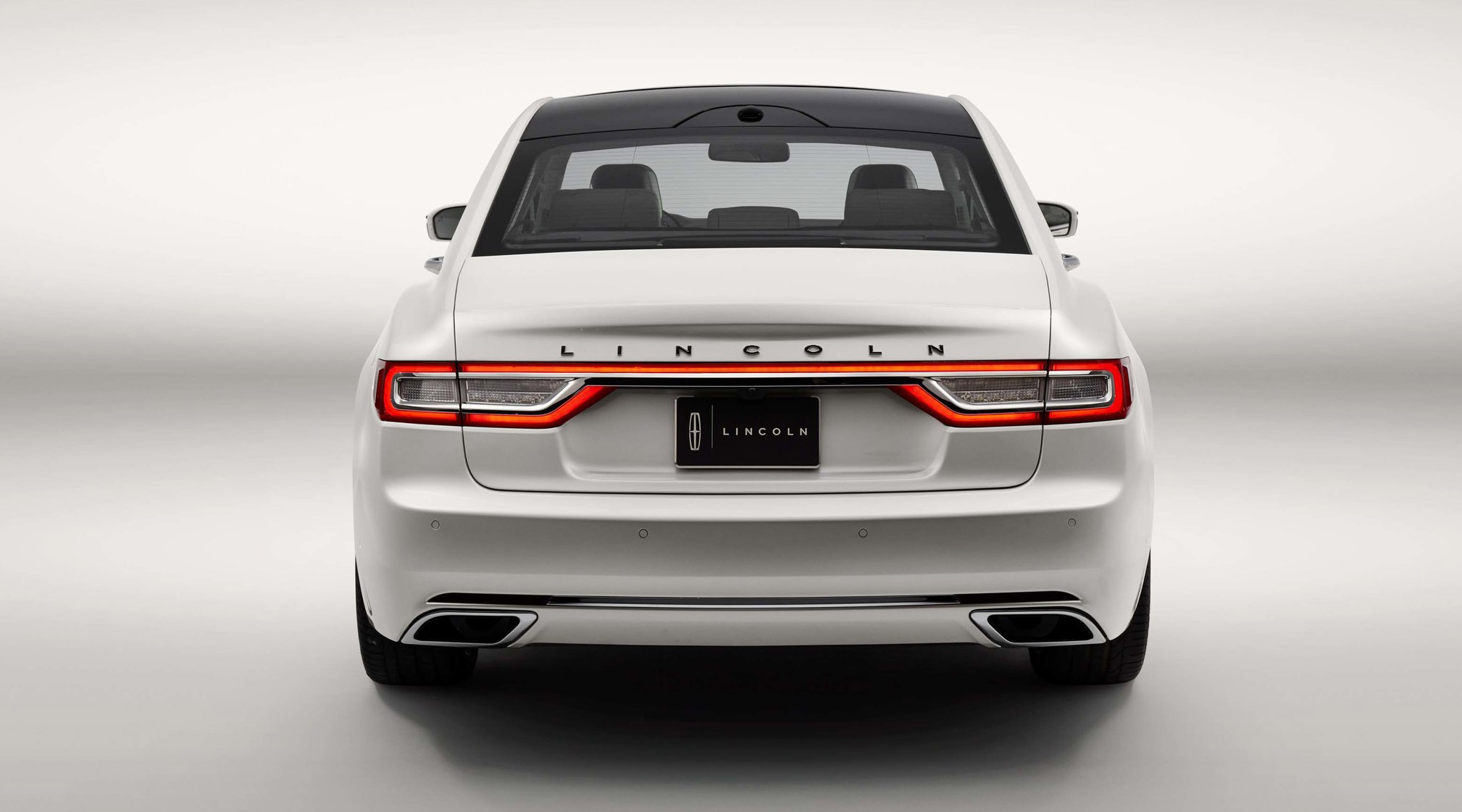 2017 Lincoln Continental Revealed In Detroit Photos 1