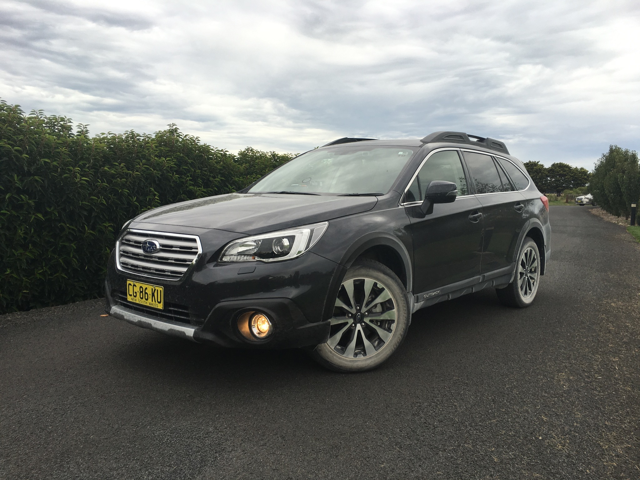 subaru outback sales pass 100 000 in australia photos 1 of 3. Black Bedroom Furniture Sets. Home Design Ideas