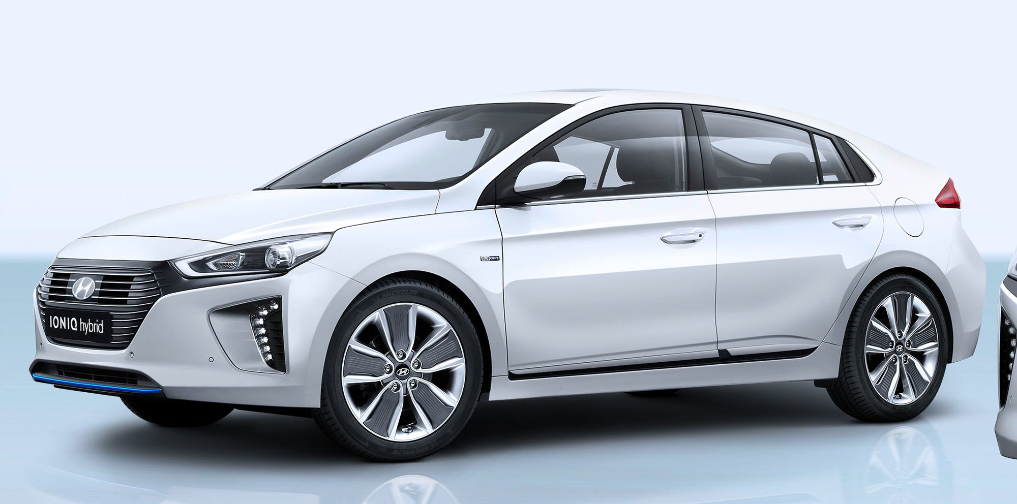 2017 hyundai ioniq plug in hybrid and electric unveiled photos 1 of 4. Black Bedroom Furniture Sets. Home Design Ideas
