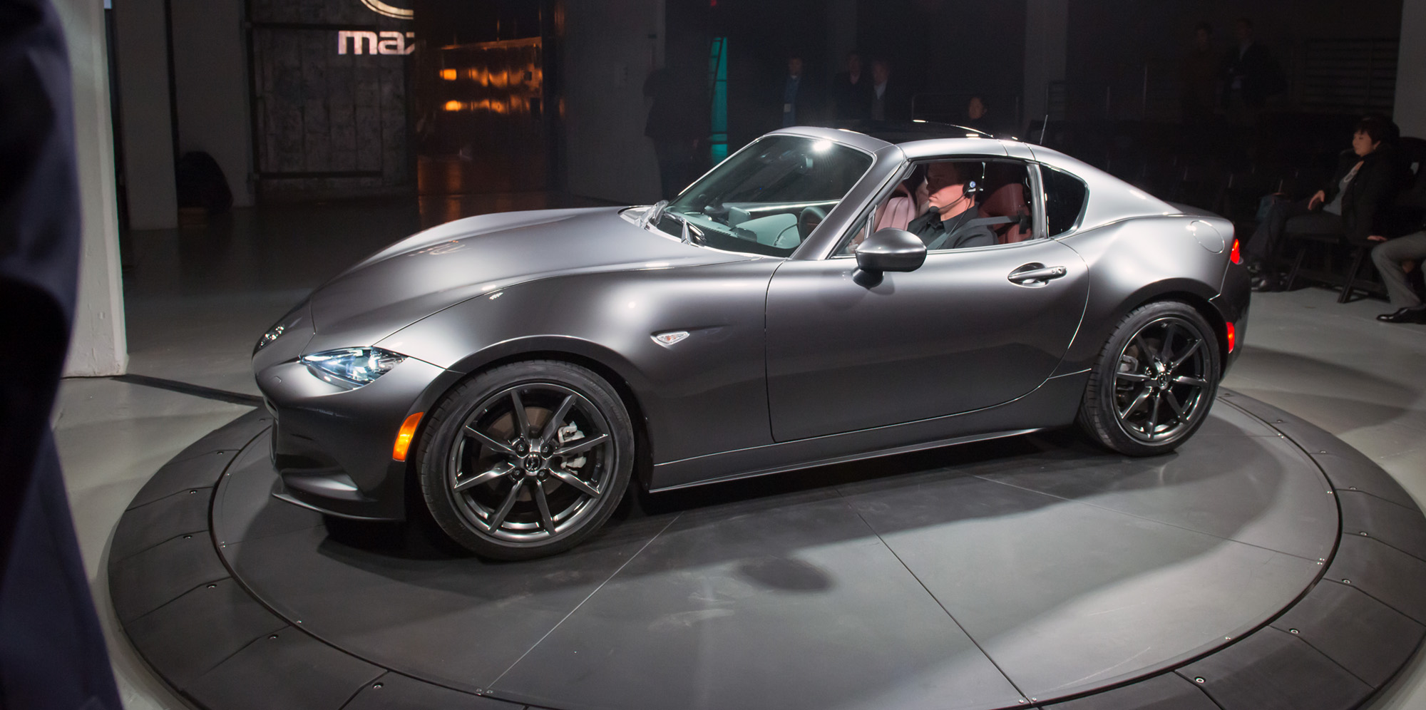 mazda mx 5 rf hardtop revealed in new york photos 1 of 34. Black Bedroom Furniture Sets. Home Design Ideas