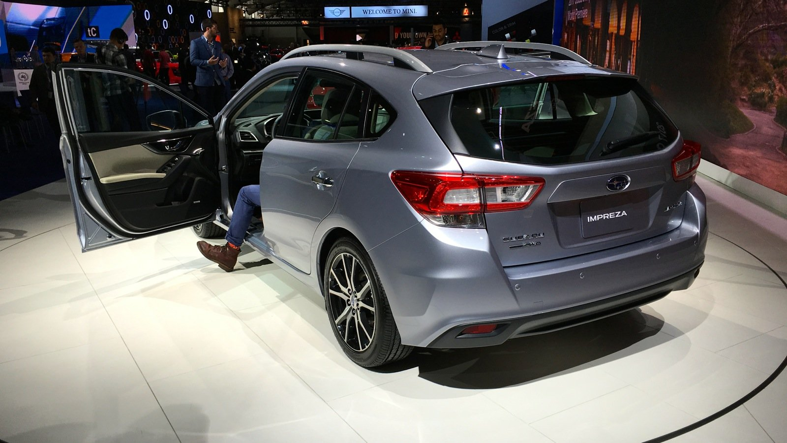 2017 subaru impreza hatchback debut at auto show 2017 2018 best cars reviews. Black Bedroom Furniture Sets. Home Design Ideas