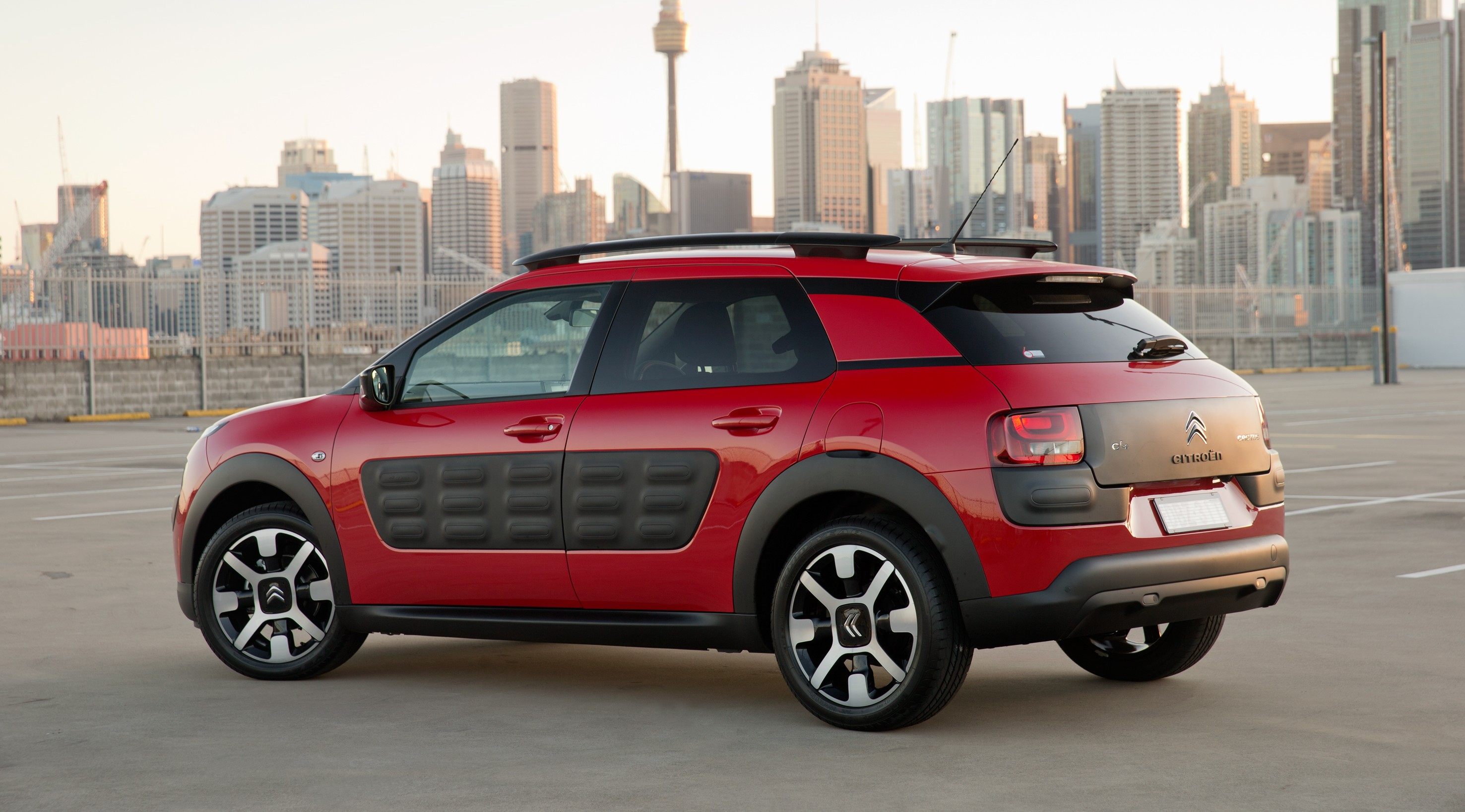 2016 citroen c4 cactus arrives in showrooms photos 1 of 8. Black Bedroom Furniture Sets. Home Design Ideas