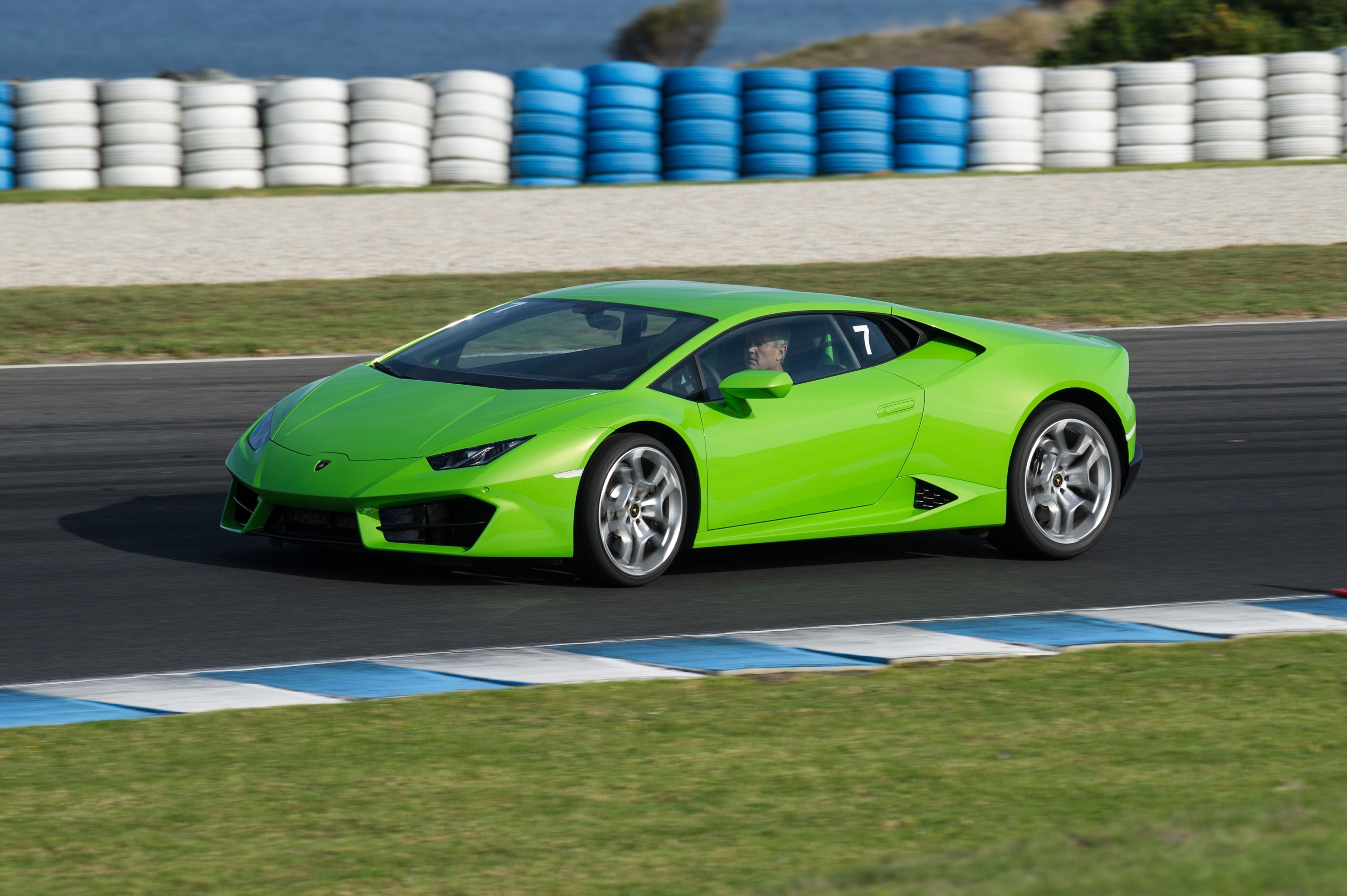lamborghini looking to huracan lp580 2 for sales growth before urus launch photos 1 of 10. Black Bedroom Furniture Sets. Home Design Ideas