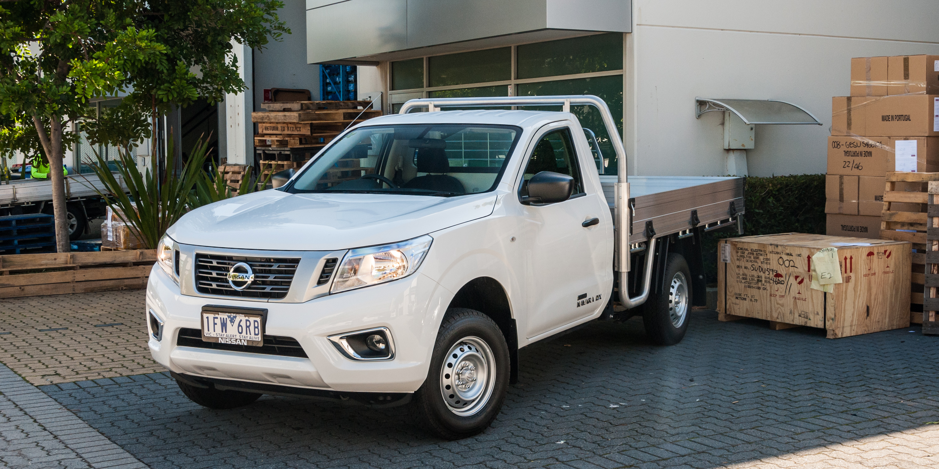 2016 nissan navara np300 dx 4x2 review caradvice. Black Bedroom Furniture Sets. Home Design Ideas
