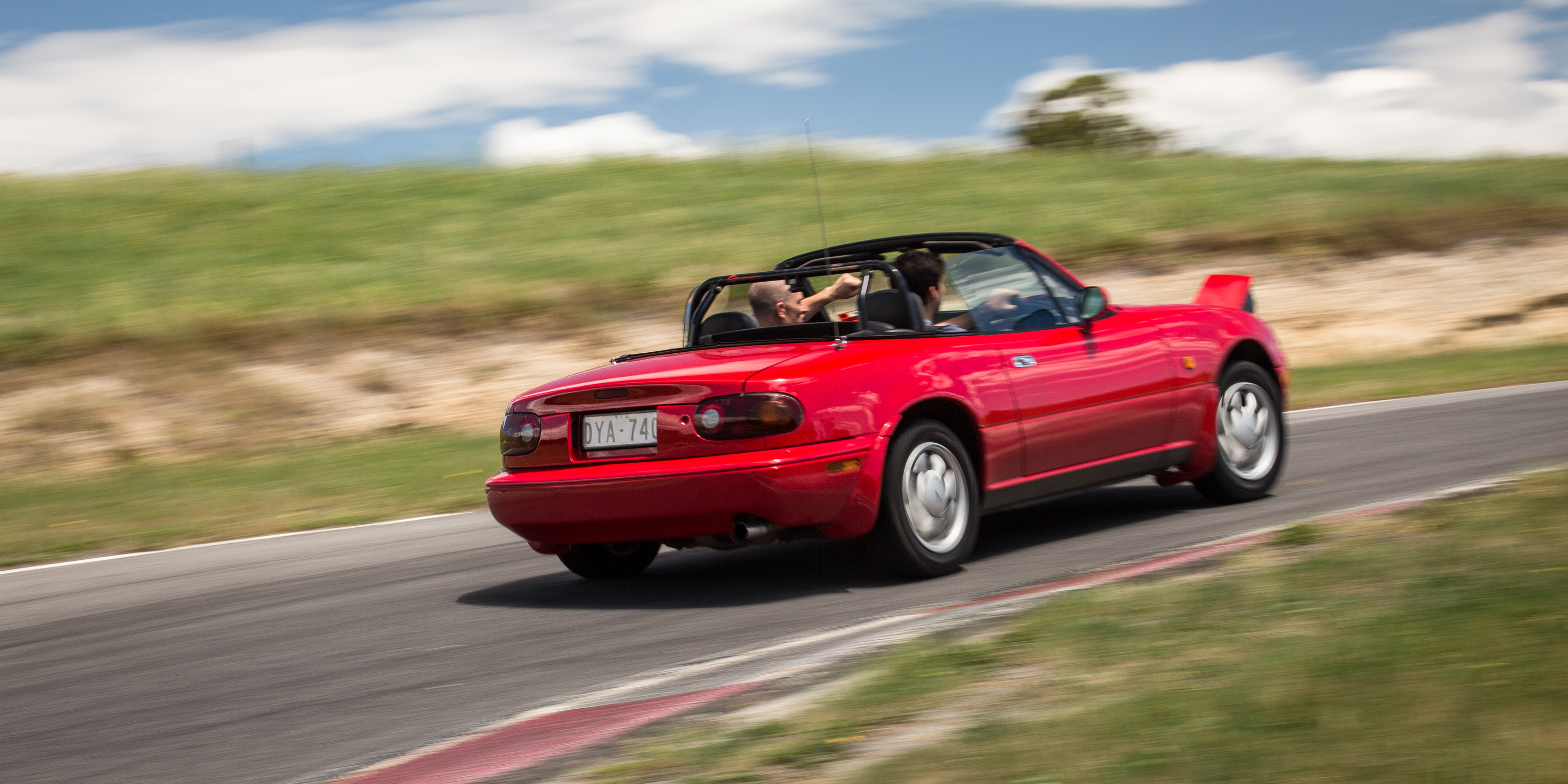 Simple Mazda MX5 Old V New Comparison Firstgeneration NA V