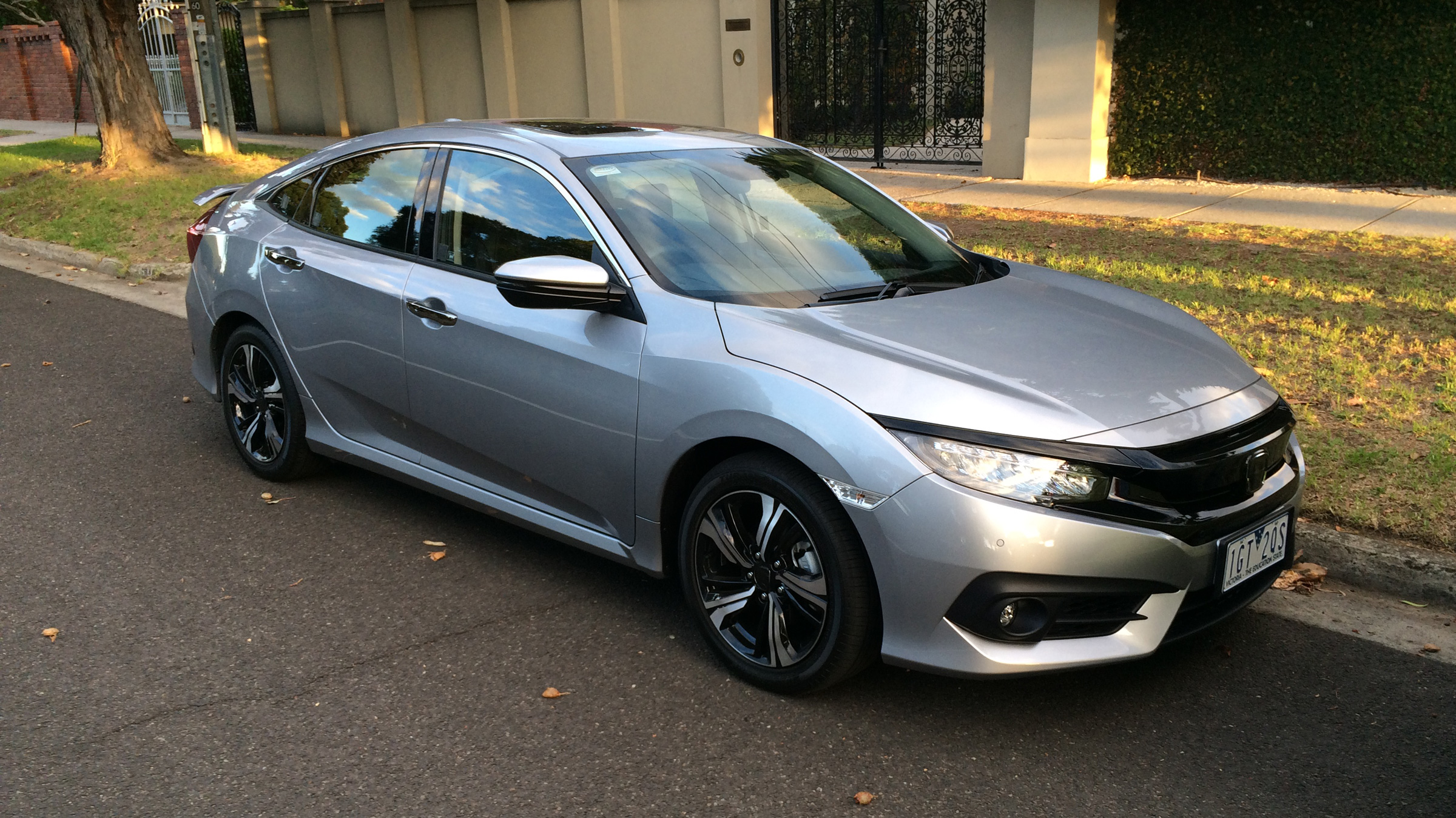 2017 honda civic spotted in melbourne ahead of australian launch photos 1 of 5. Black Bedroom Furniture Sets. Home Design Ideas