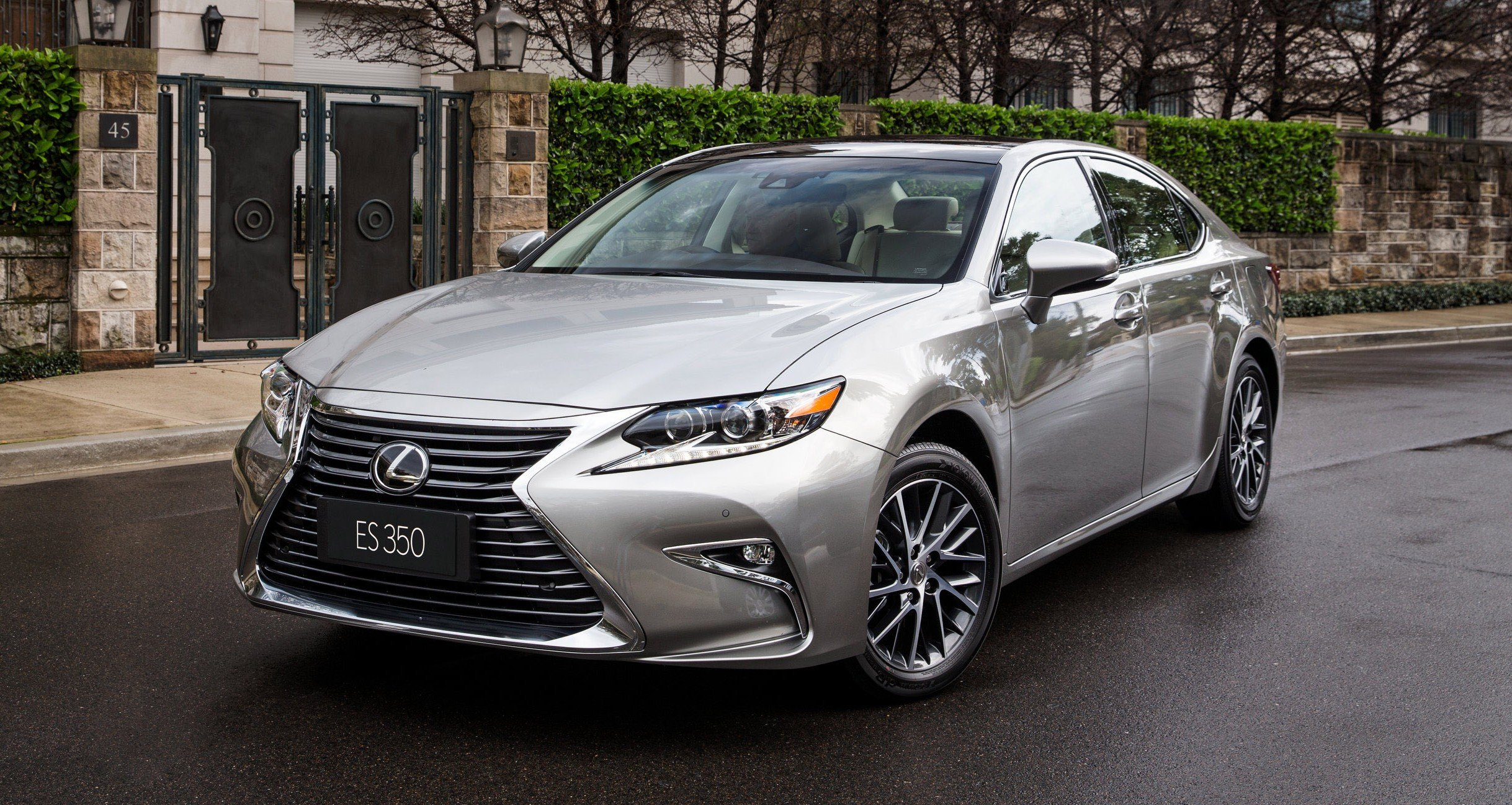 2016 lexus es350 recalled for possible brake system fault photos 1 of 3. Black Bedroom Furniture Sets. Home Design Ideas