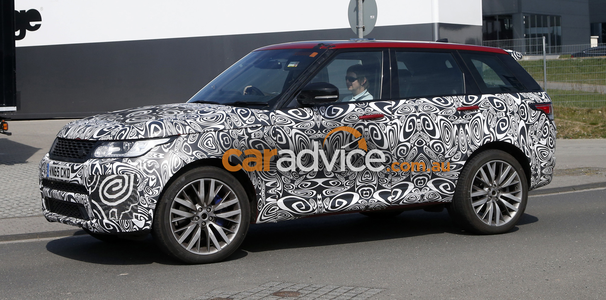 2017 range rover sport svr spied testing performance upgrades expected photos 1 of 7. Black Bedroom Furniture Sets. Home Design Ideas