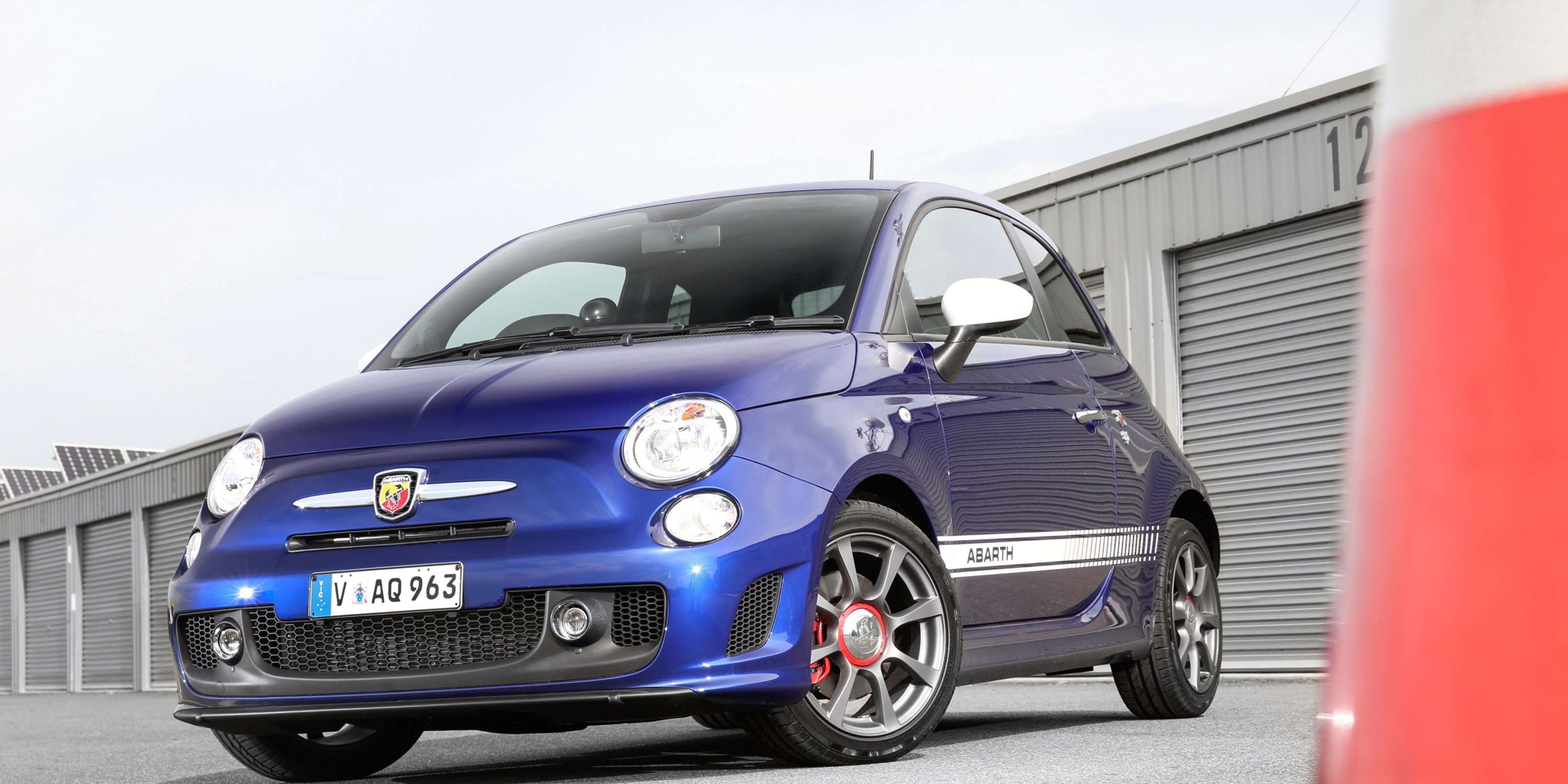 2016 abarth 595 review gearopen. Black Bedroom Furniture Sets. Home Design Ideas