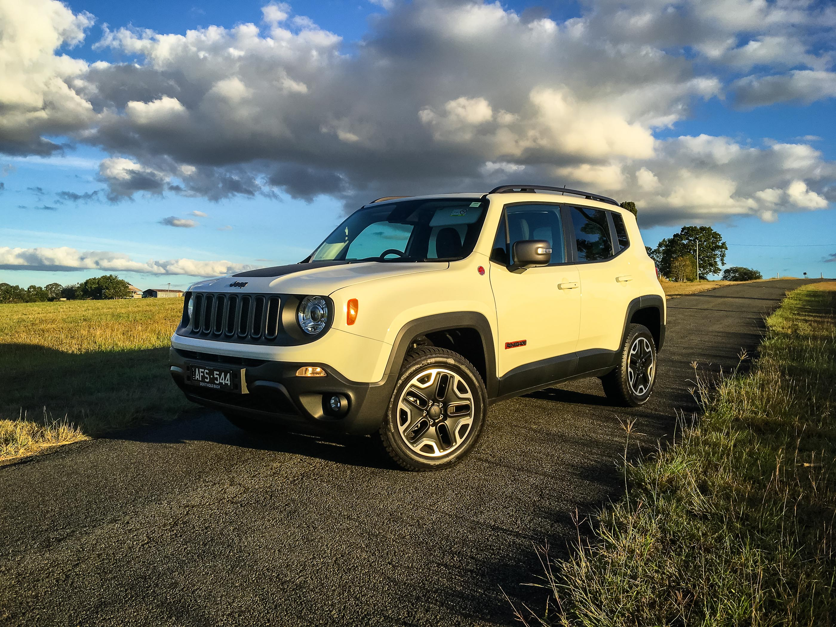 2016 jeep renegade trailhawk review caradvice. Black Bedroom Furniture Sets. Home Design Ideas