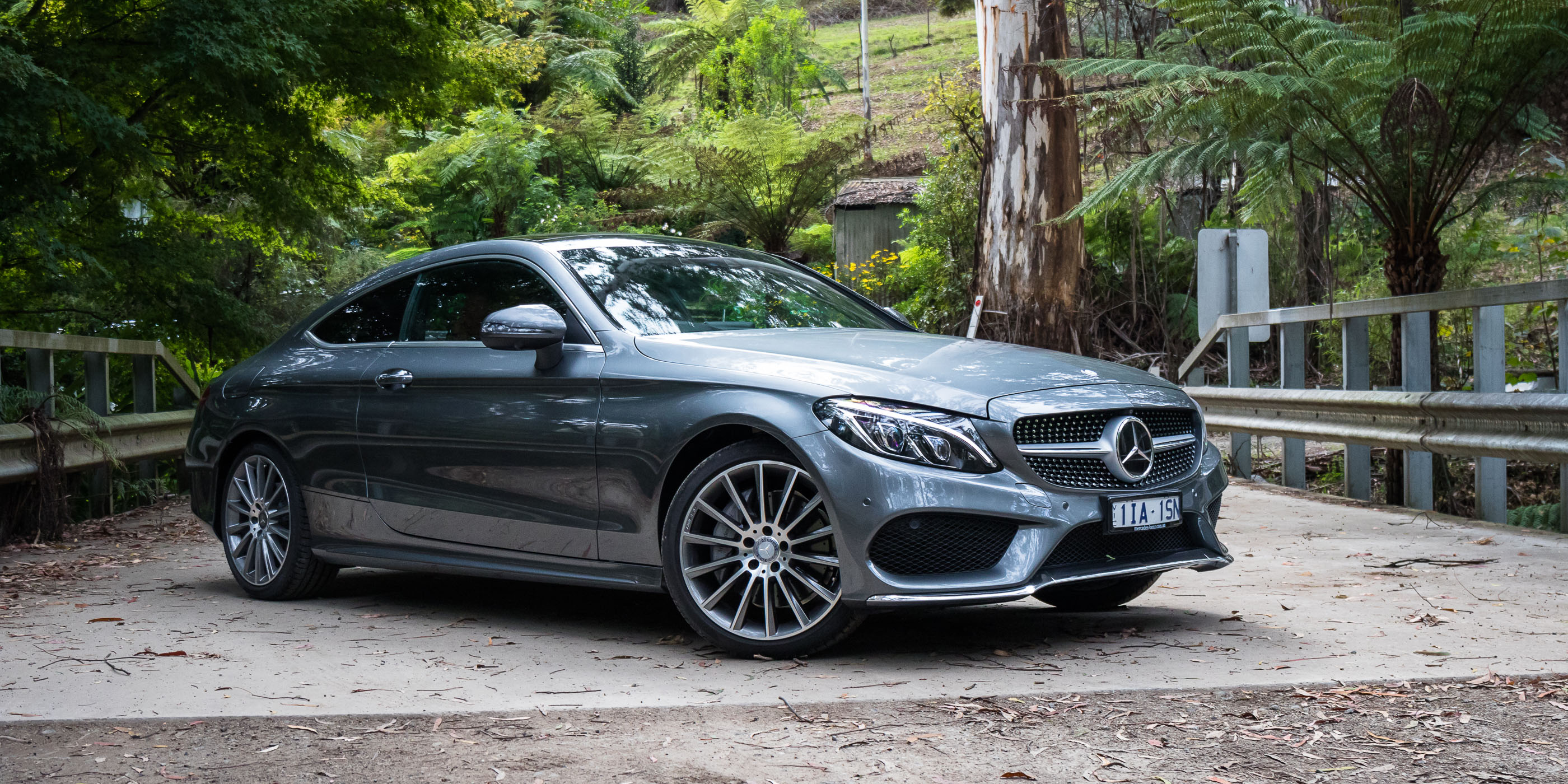 2016 mercedes benz c class coupe review caradvice for Mercedes benz c class pictures