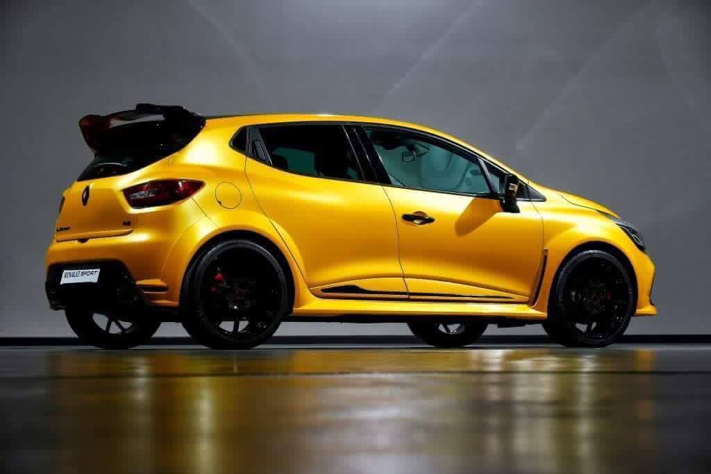 2017 renault clio rs 39 kz 01 39 leaked more power bolder styling photos 1 of 6. Black Bedroom Furniture Sets. Home Design Ideas