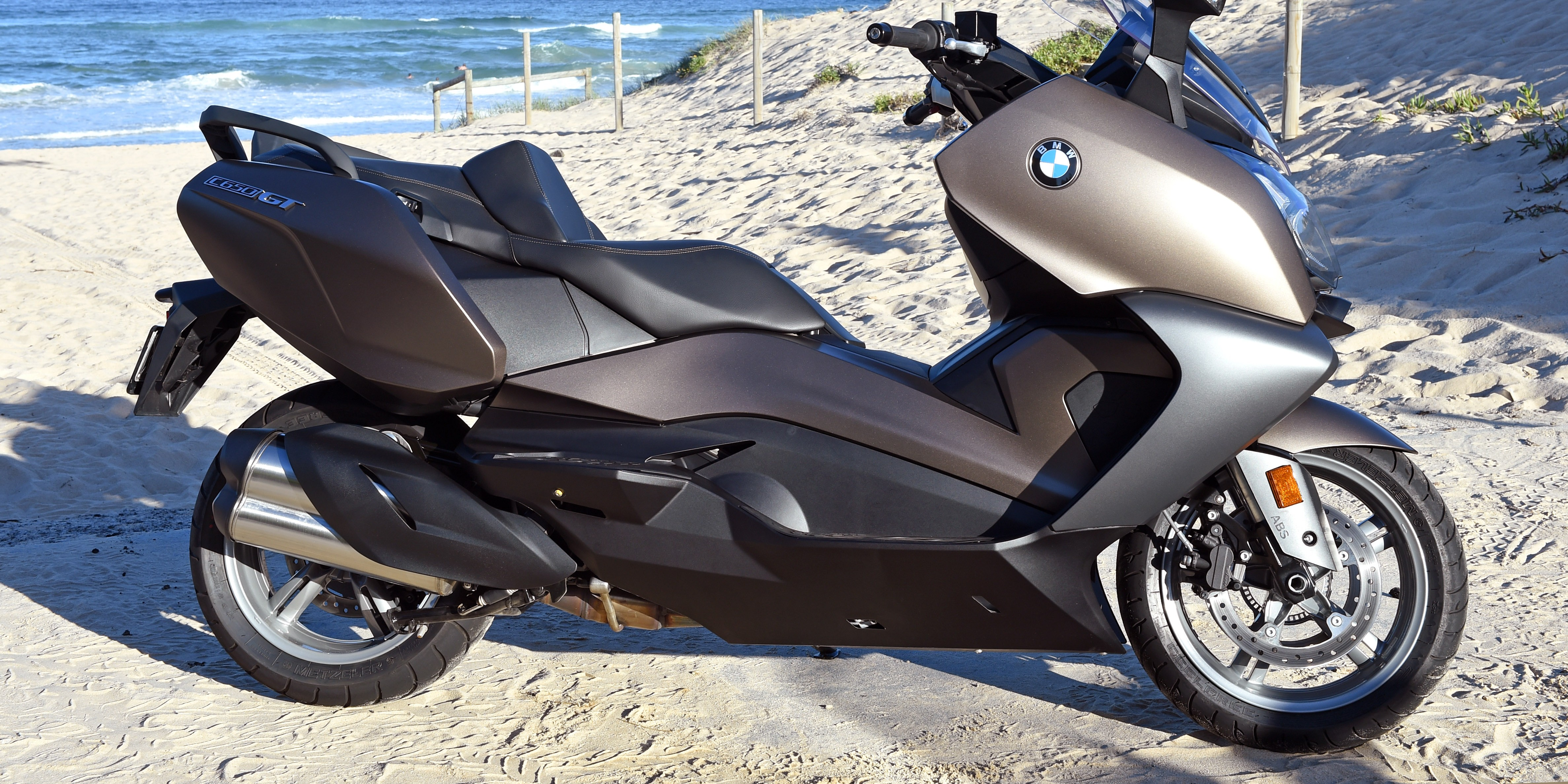2016 bmw c650 sport and c650 gt scooter review photos. Black Bedroom Furniture Sets. Home Design Ideas