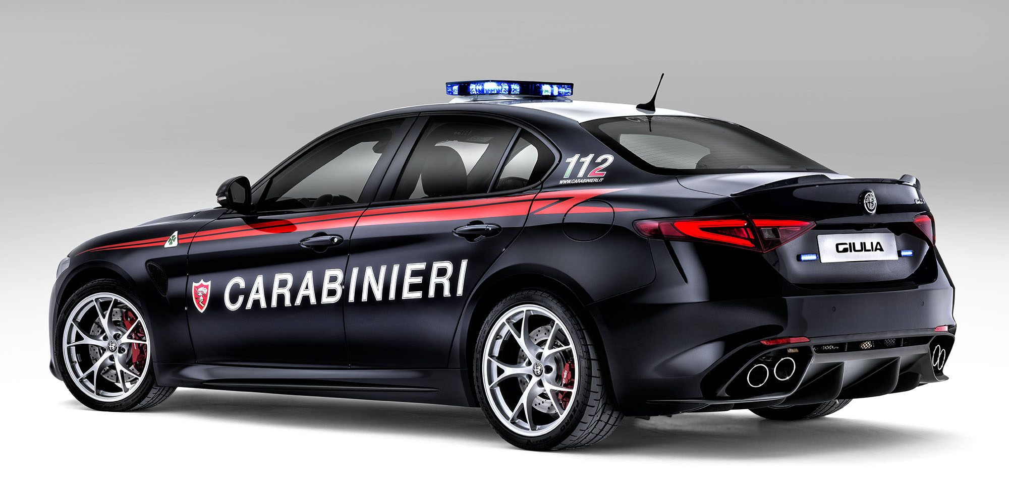 2016 alfa romeo giulia quadrifoglio joins carabinieri fleet photos 1 of 7. Black Bedroom Furniture Sets. Home Design Ideas
