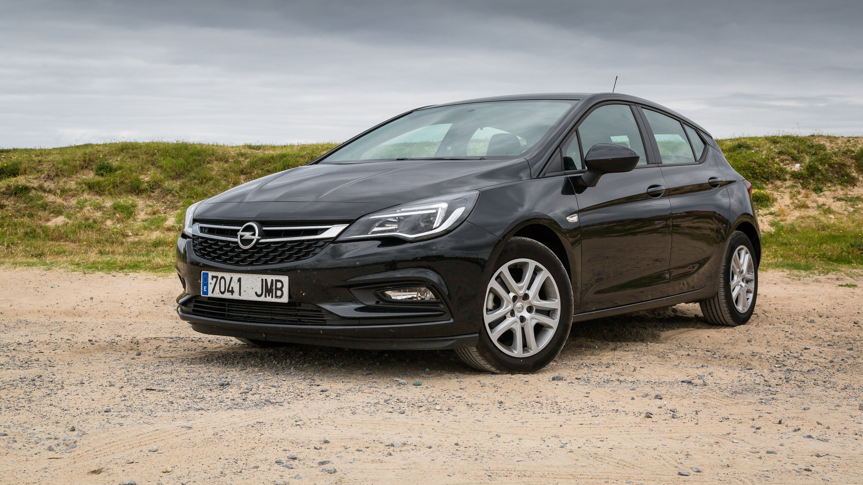 2016 holden opel astra review caradvice. Black Bedroom Furniture Sets. Home Design Ideas