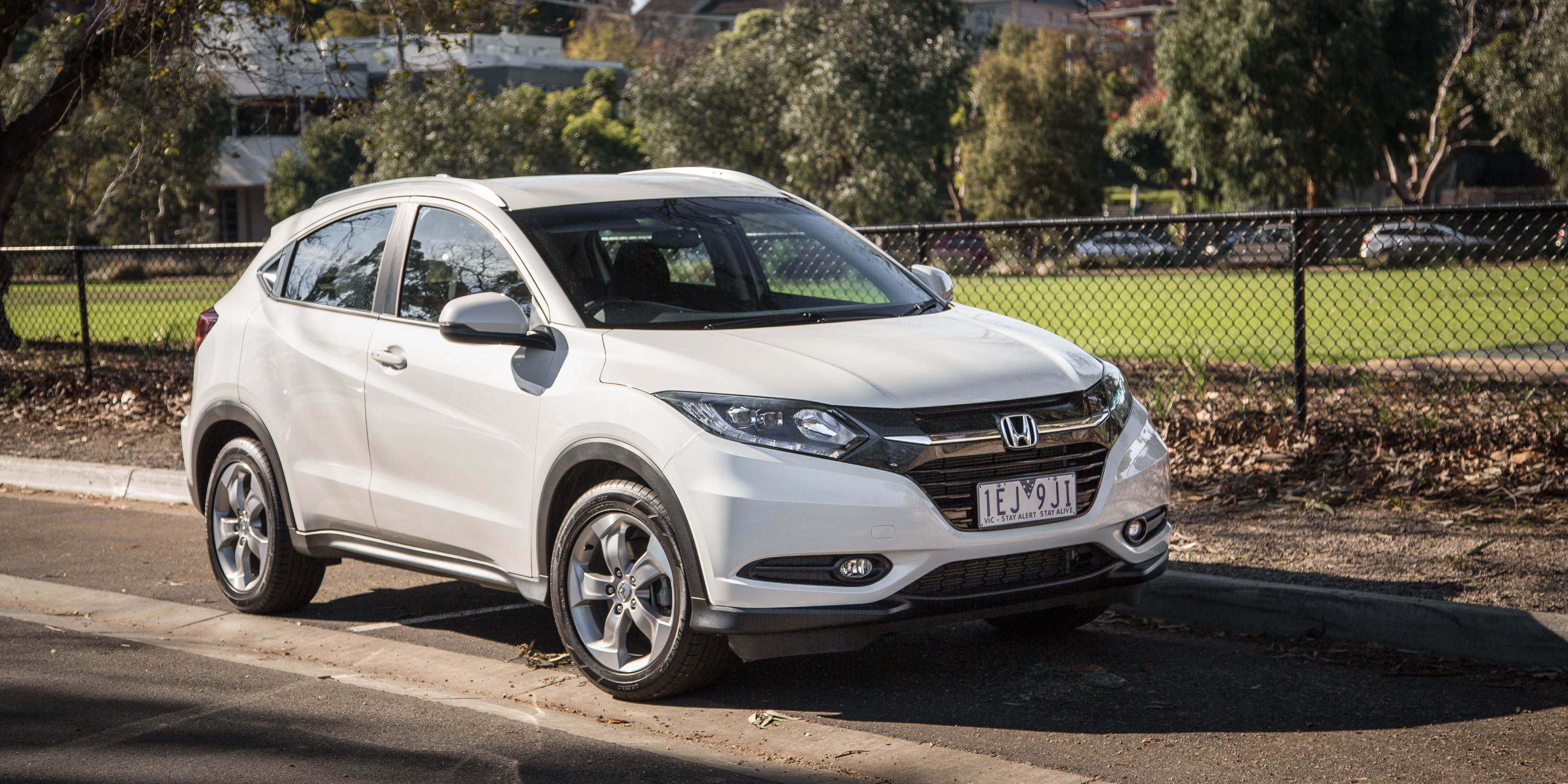 Honda Civic Hrv 2016 >> 2016 Honda HR-V VTi-S Review | CarAdvice