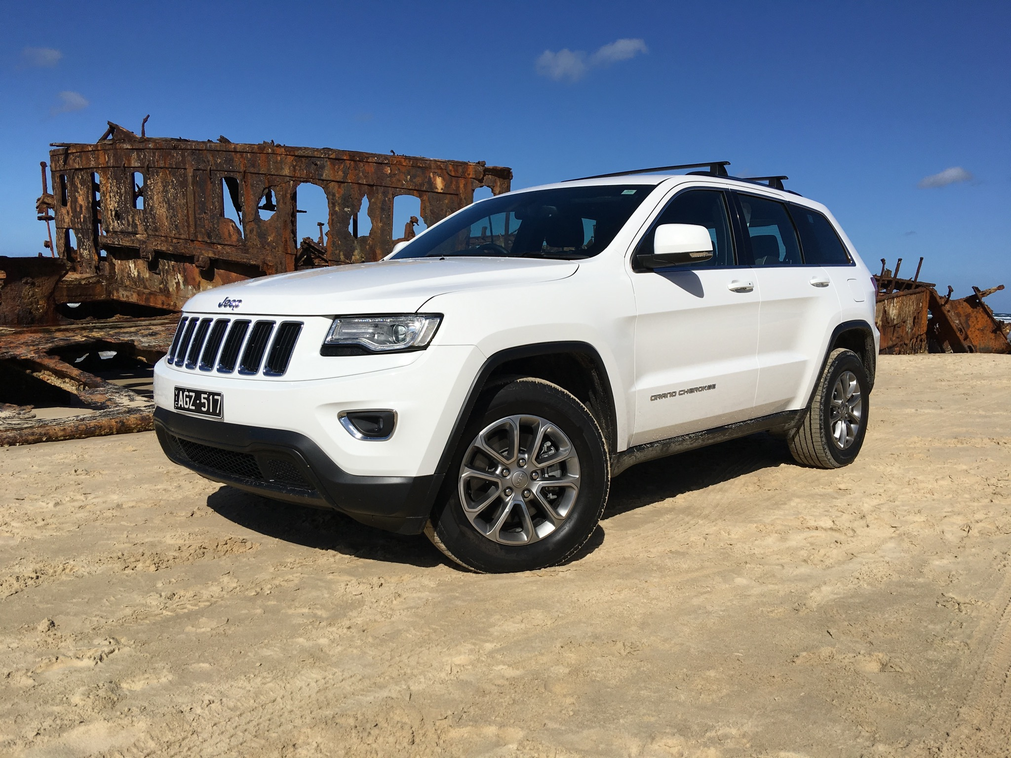 2016 jeep grand cherokee laredo review fraser island weekender. Black Bedroom Furniture Sets. Home Design Ideas