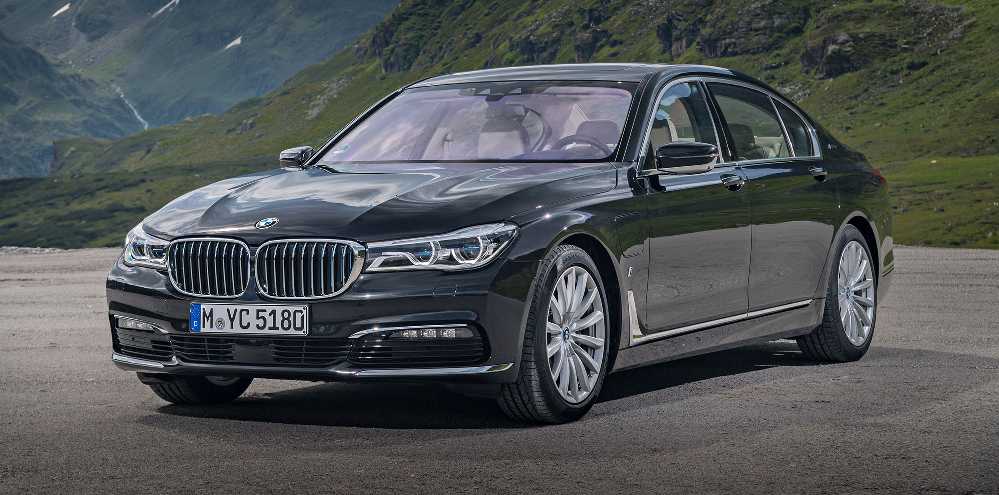 2017 Bmw 740e Iperformance Plug In Hybrid Detailed